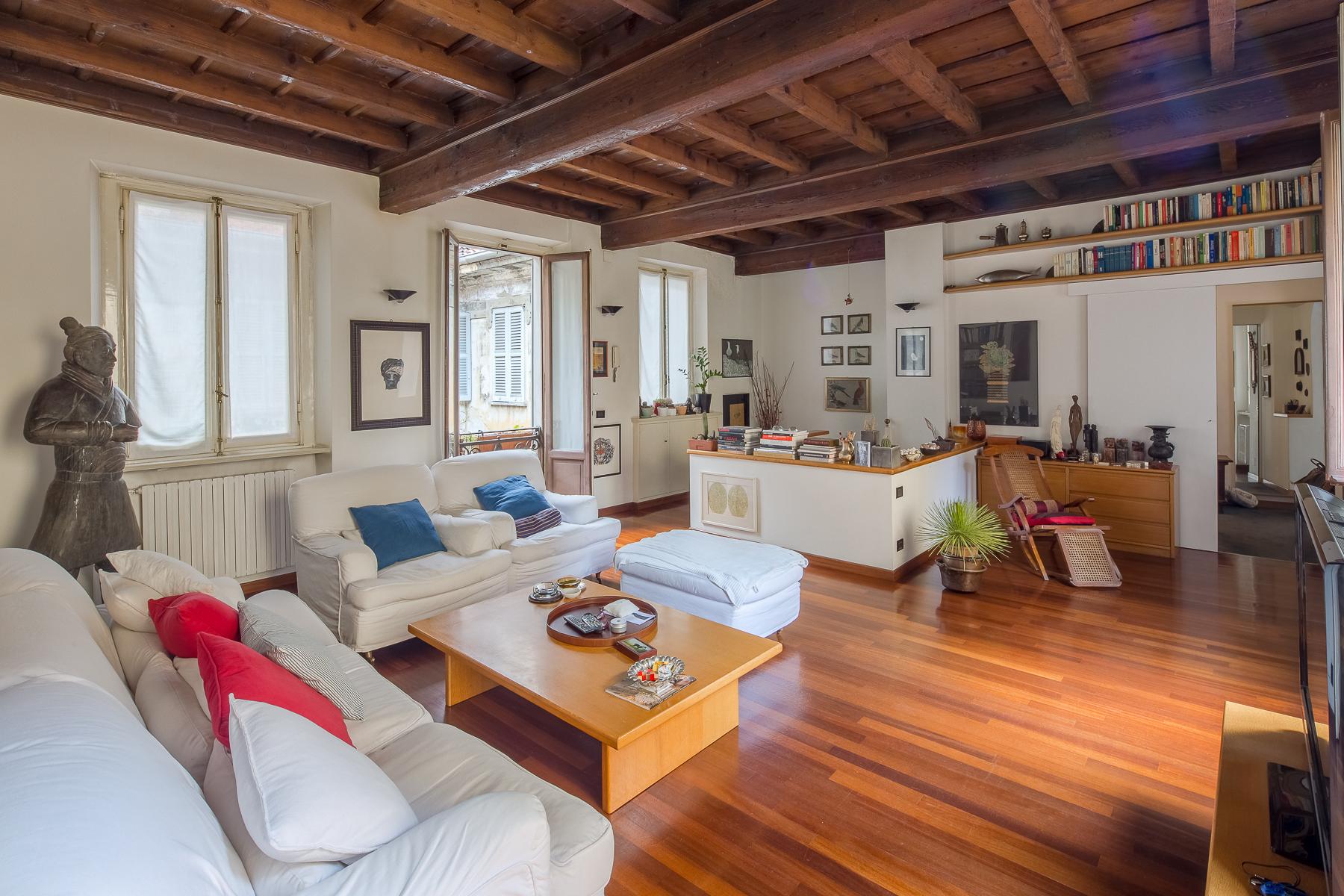 Apartments pour l Vente à Charming house in the pedestrian historic centre Milano, Milan Italie
