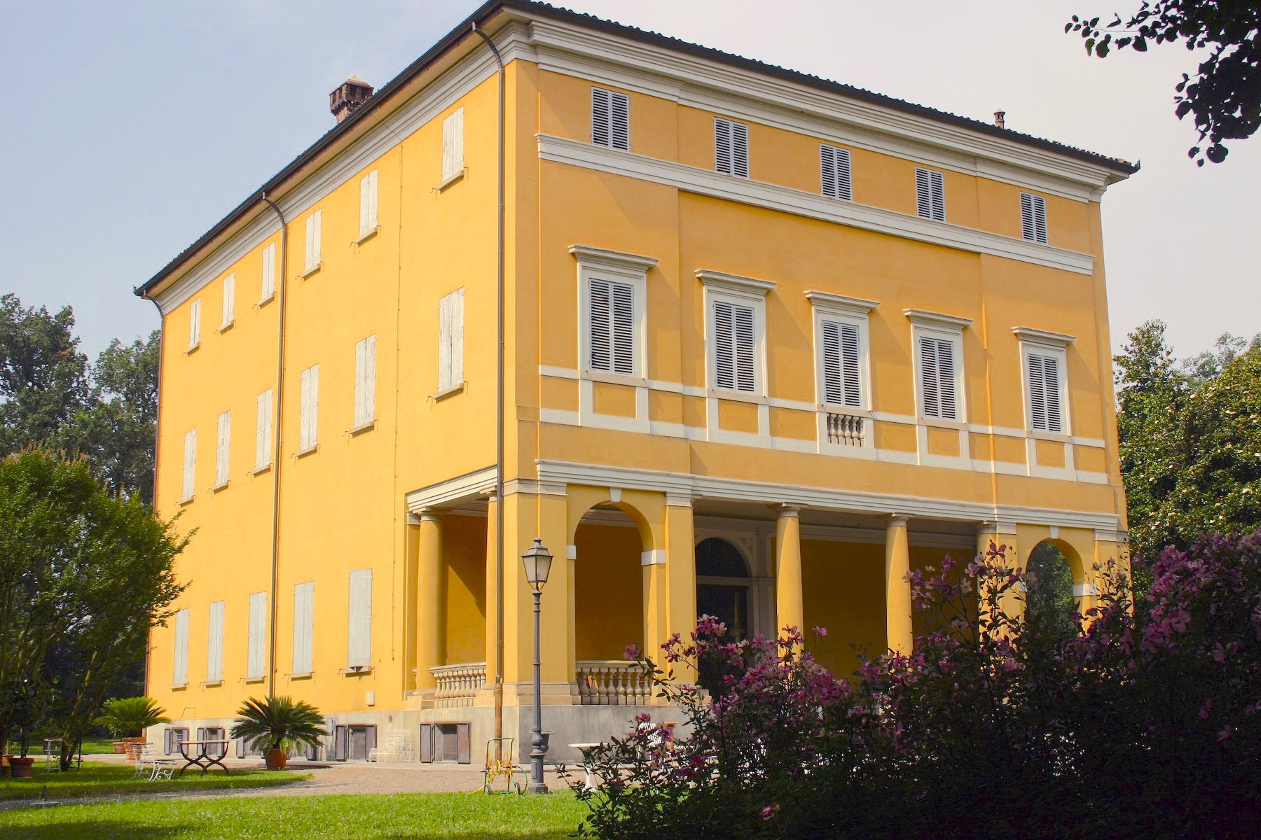 Other Residential Homes for Sale at Large historic villa near Bologna Crespellano, Bologna Italy