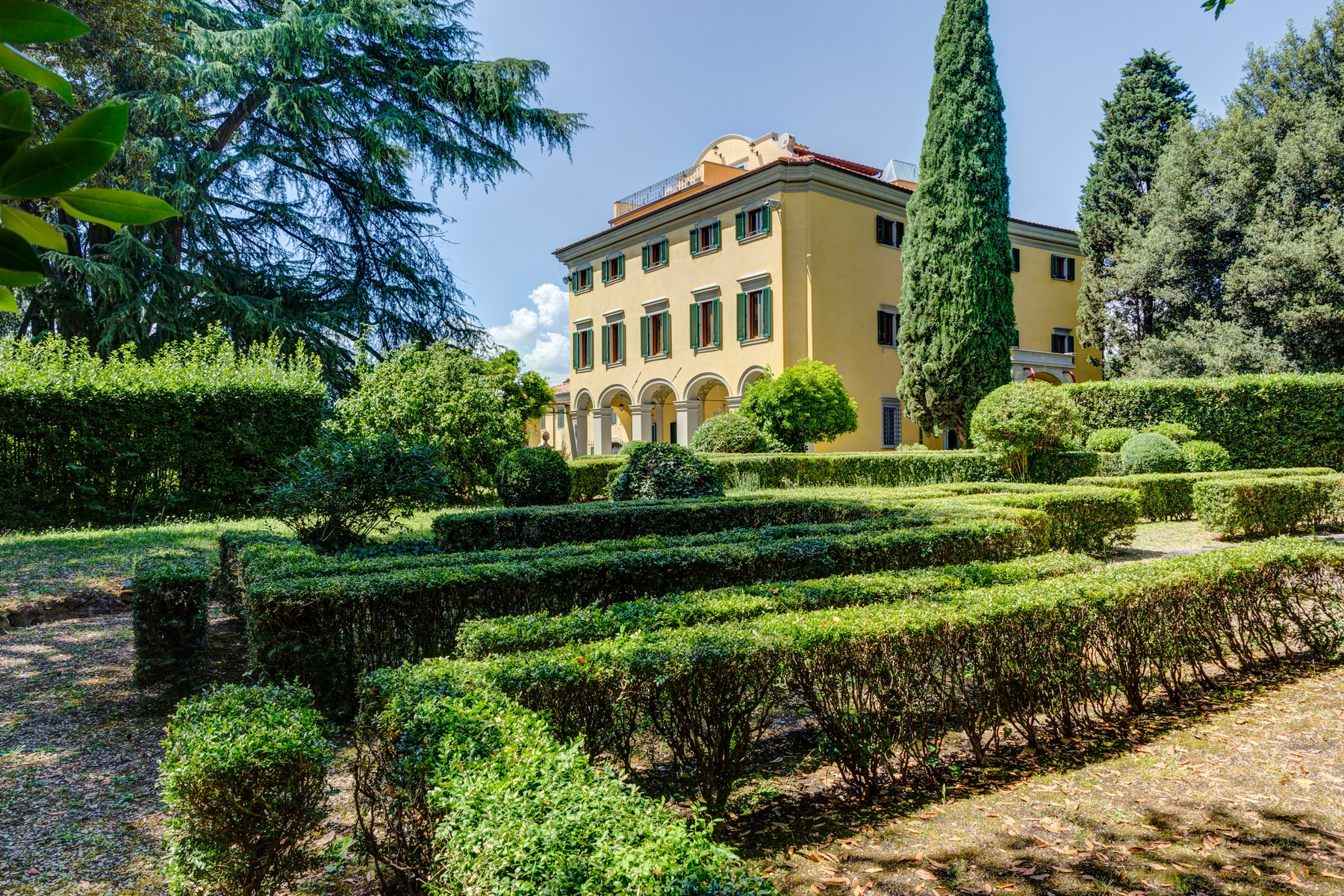Other Residential Homes for Sale at Lavish historic 15th century villa with pool in the center of Florence Firenze, Florence Italy