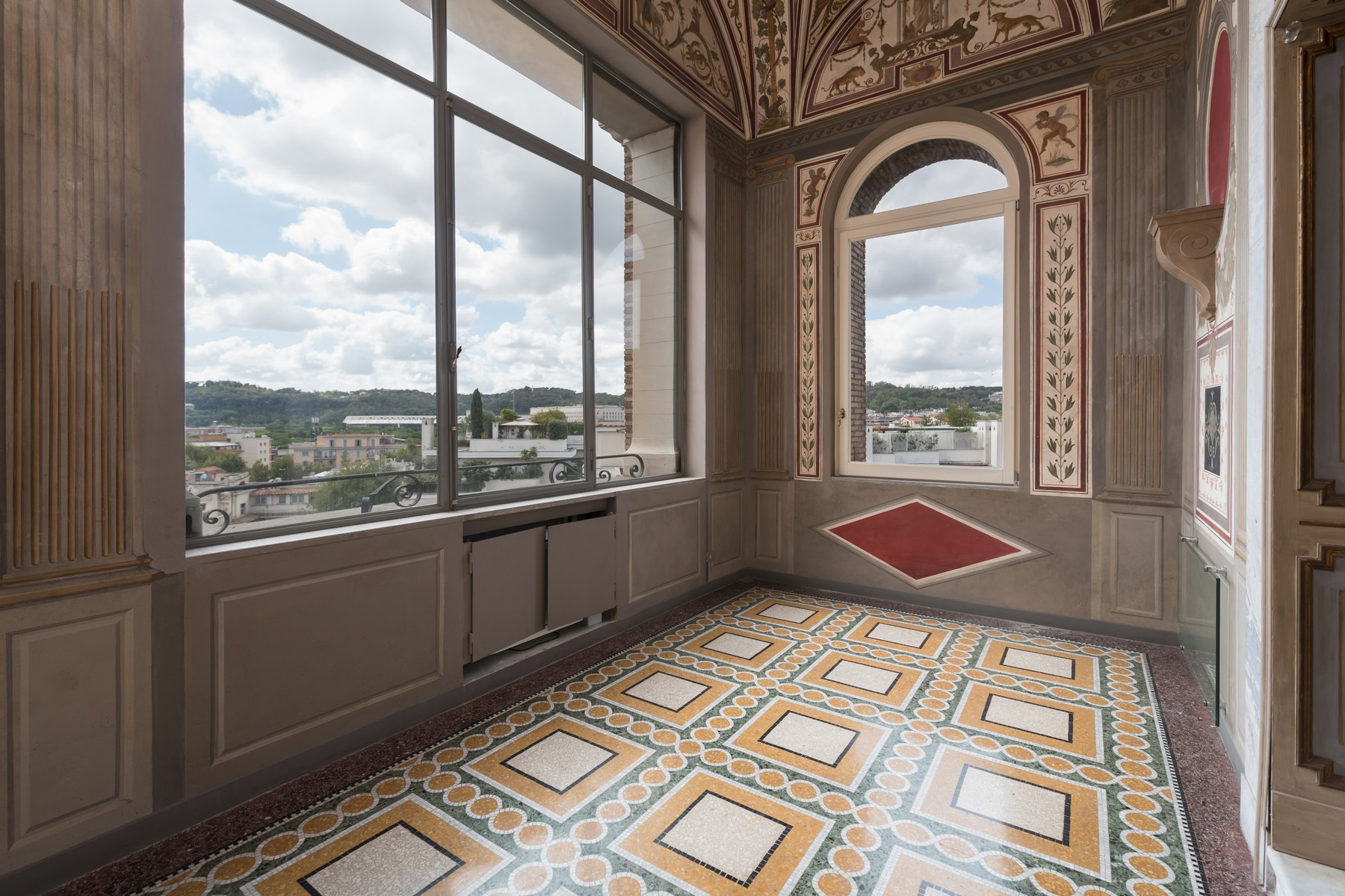 Appartement pour l Vente à Prestigious elegant apartment inside Villa Brasini Rome, Italie