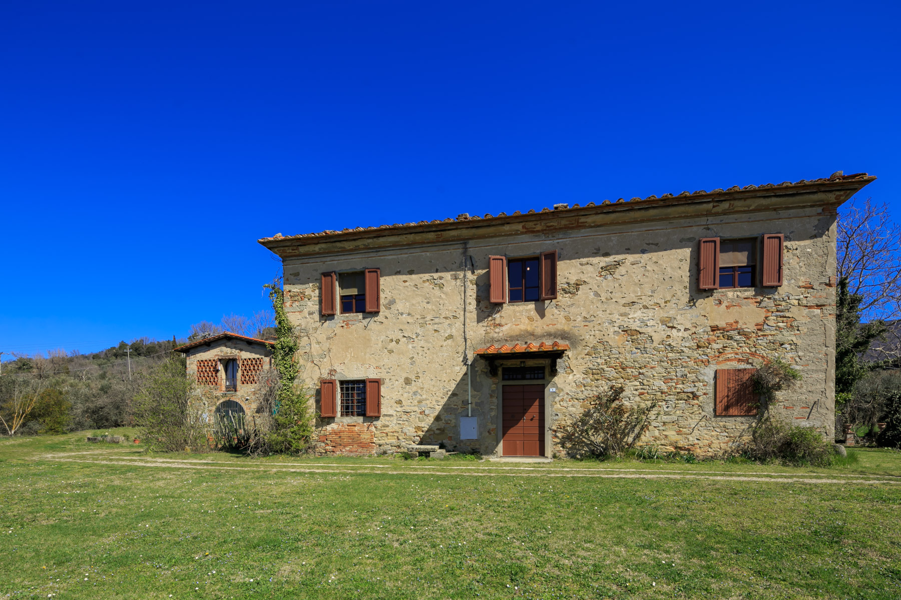 Single Family Homes for Sale at Lovely estate with farmhouses and olive groves Castelfranco Di Sopra, Arezzo Italy