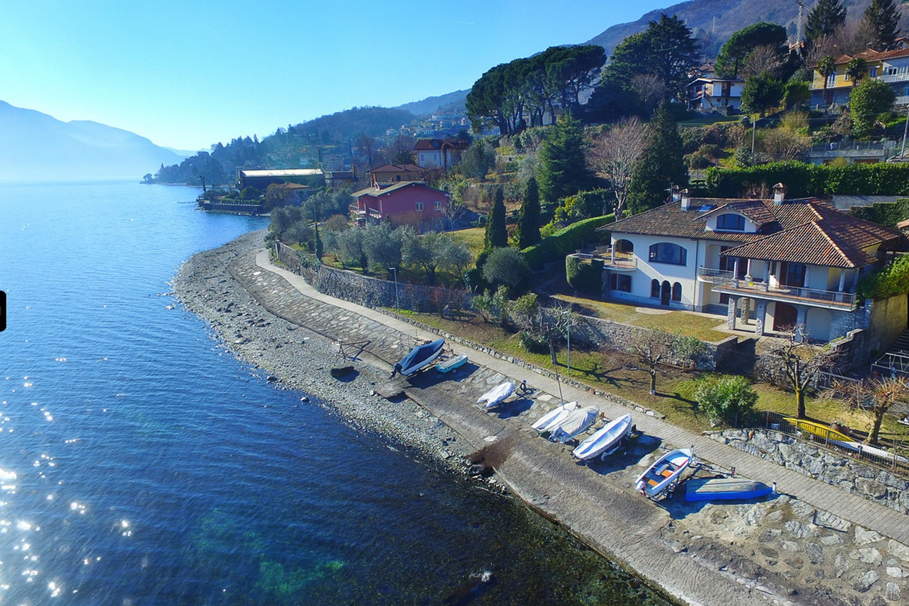 Other Residential Homes 为 销售 在 Splendid modern villa with garden and boat dock Pianello del Lario, 科摩 意大利
