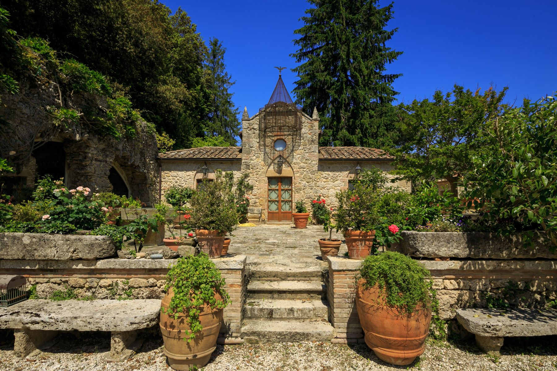Other Residential Homes for Sale at Upscale villa in charming Tuscan town Cetona, Siena Italy