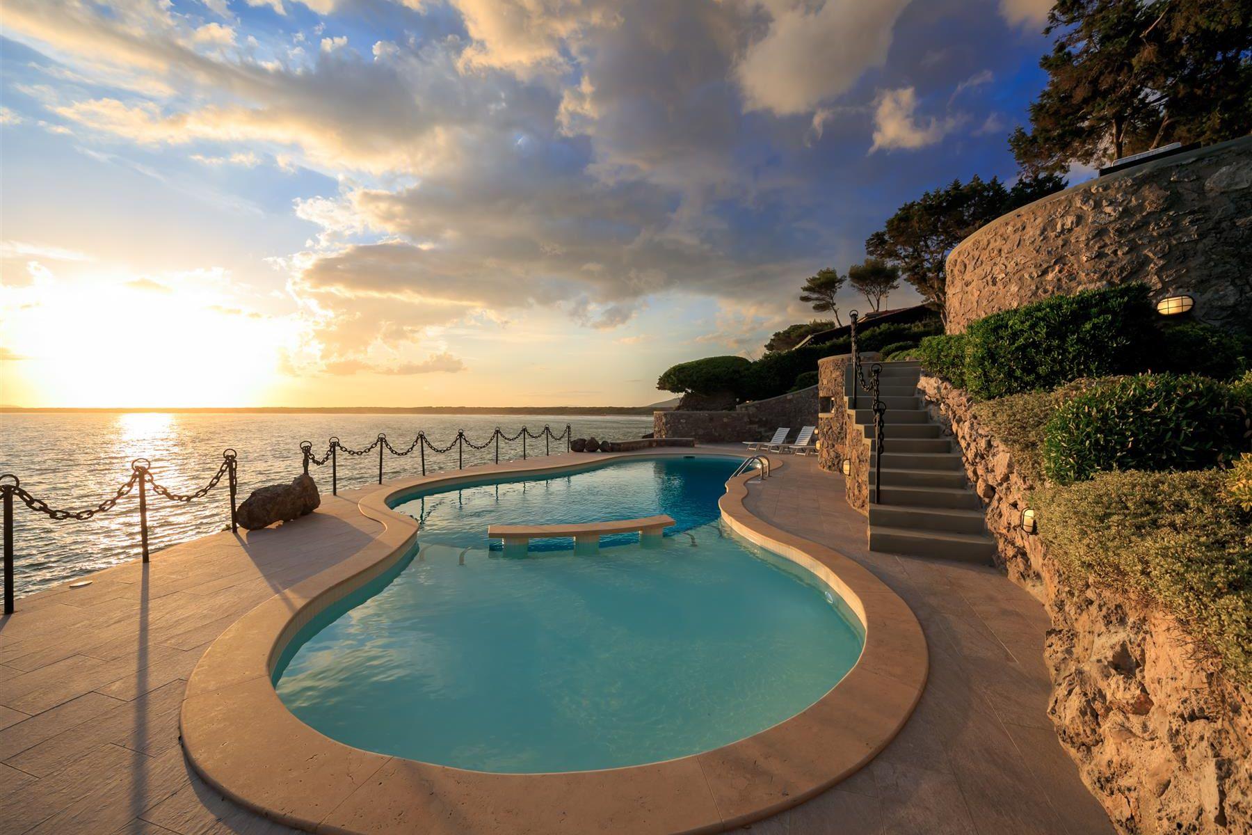 Other Residential Homes por un Alquiler en Villa Etrusca, a magnificent villa with an extraordinary view of the sea Orbetello, Grosseto Italia