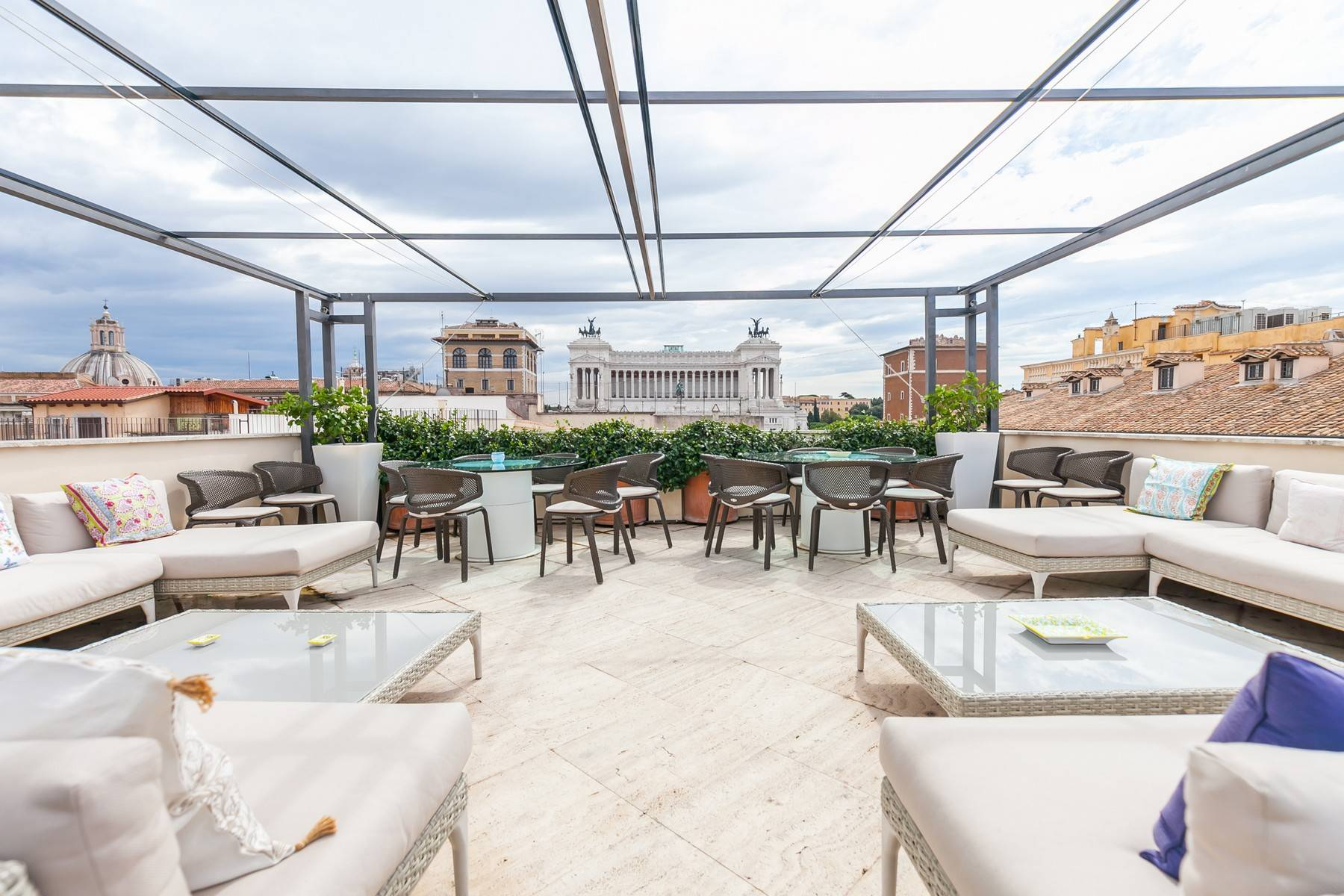 Apartments por un Alquiler en Elegant apartment overlooking the Vittoriano Rome, rom Italia