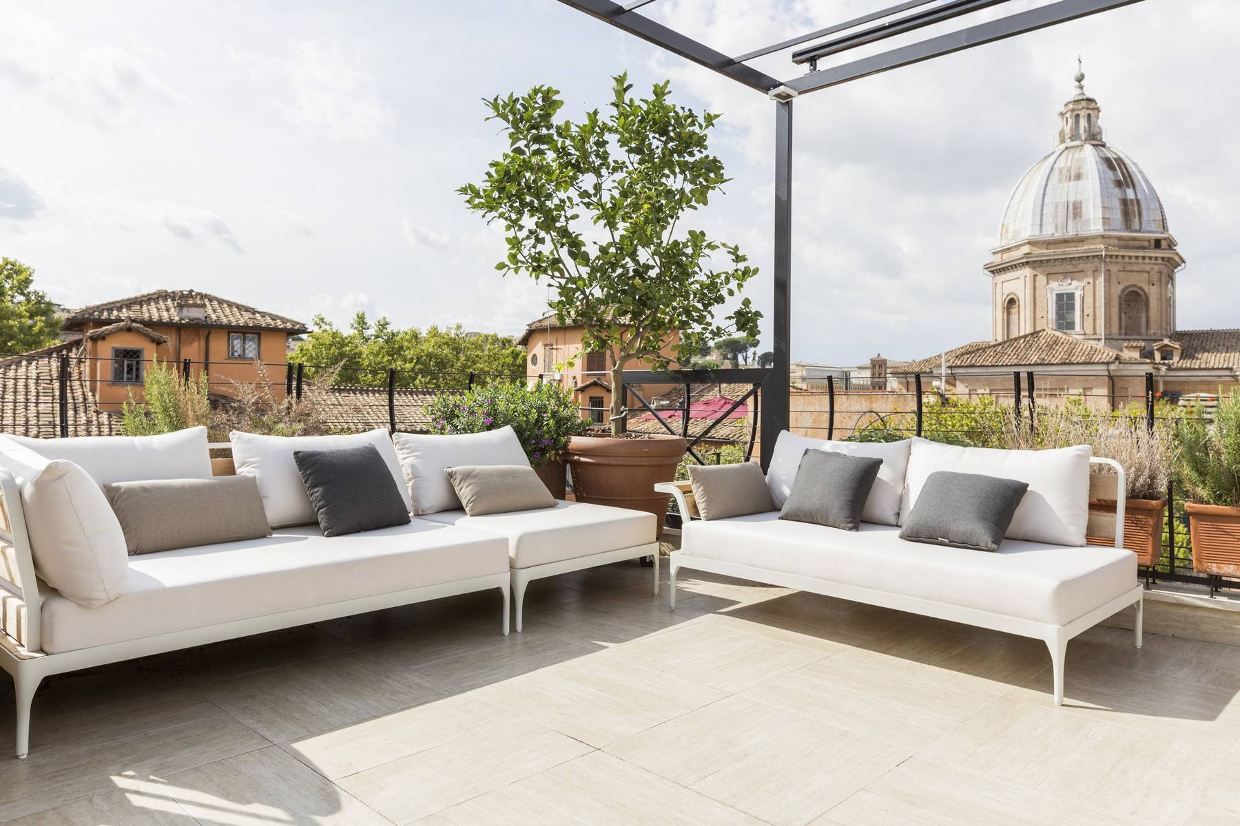 Apartments 为 出租 在 Charming apartment with terrace in the center of Rome 罗马, 罗马 意大利