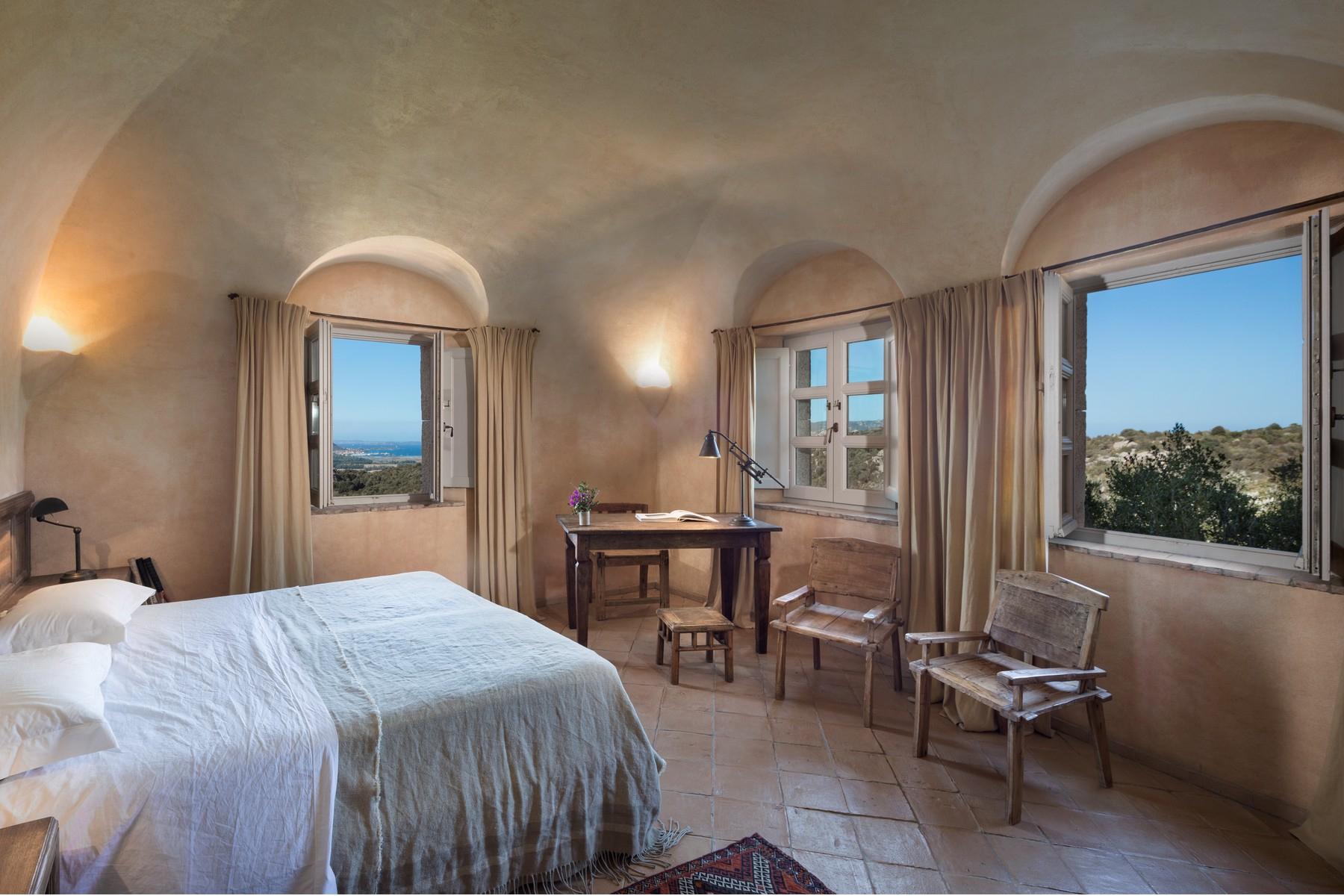 Additional photo for property listing at San Pantaleo Prestigious property in the green with an enchanting sea view San Pantaleo, Sassari Italy