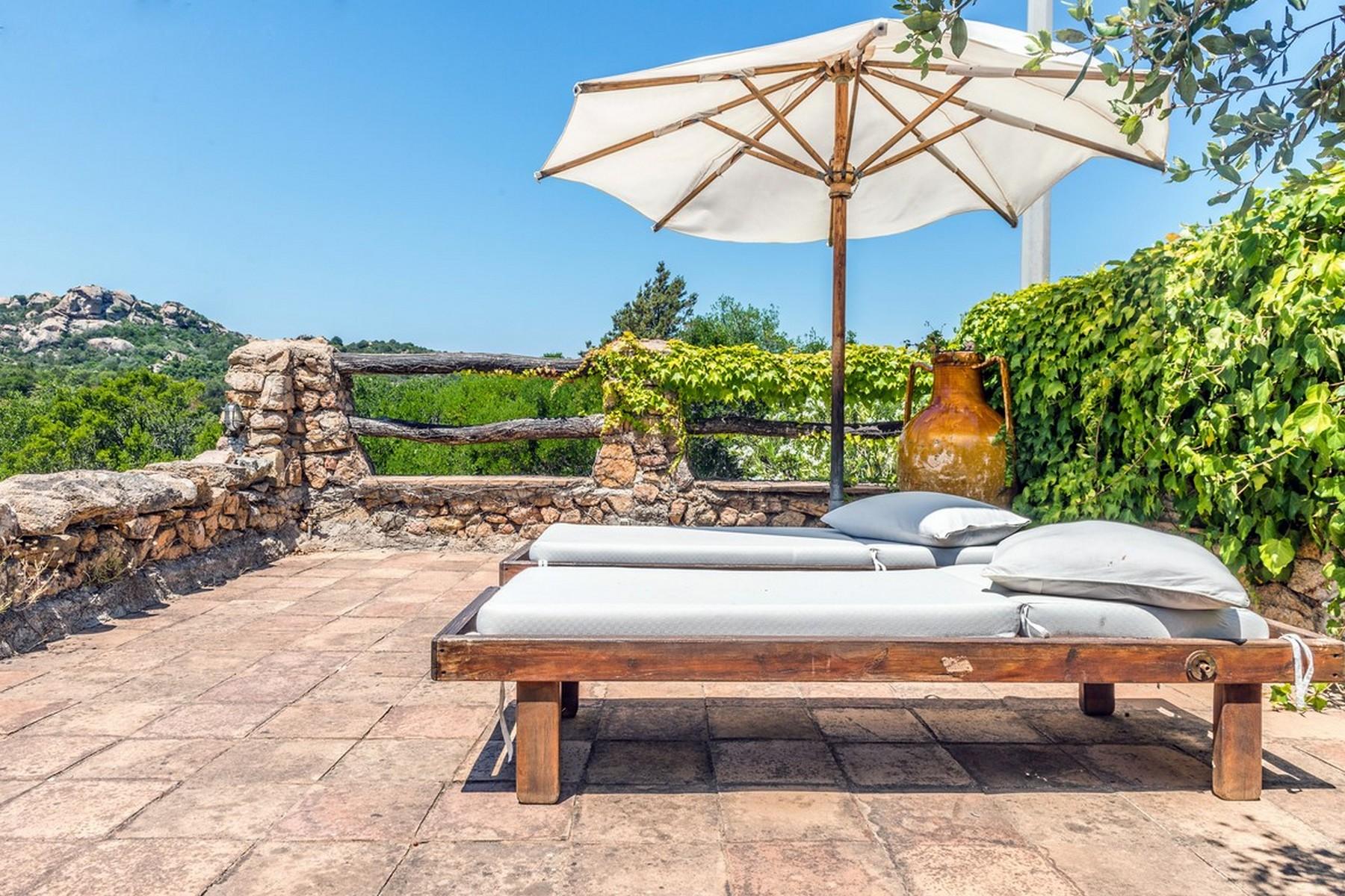 Другая жилая недвижимость для того Продажа на Beautiful villa in Liscia di Vacca Porto Cervo, Olbia Tempio, Италия