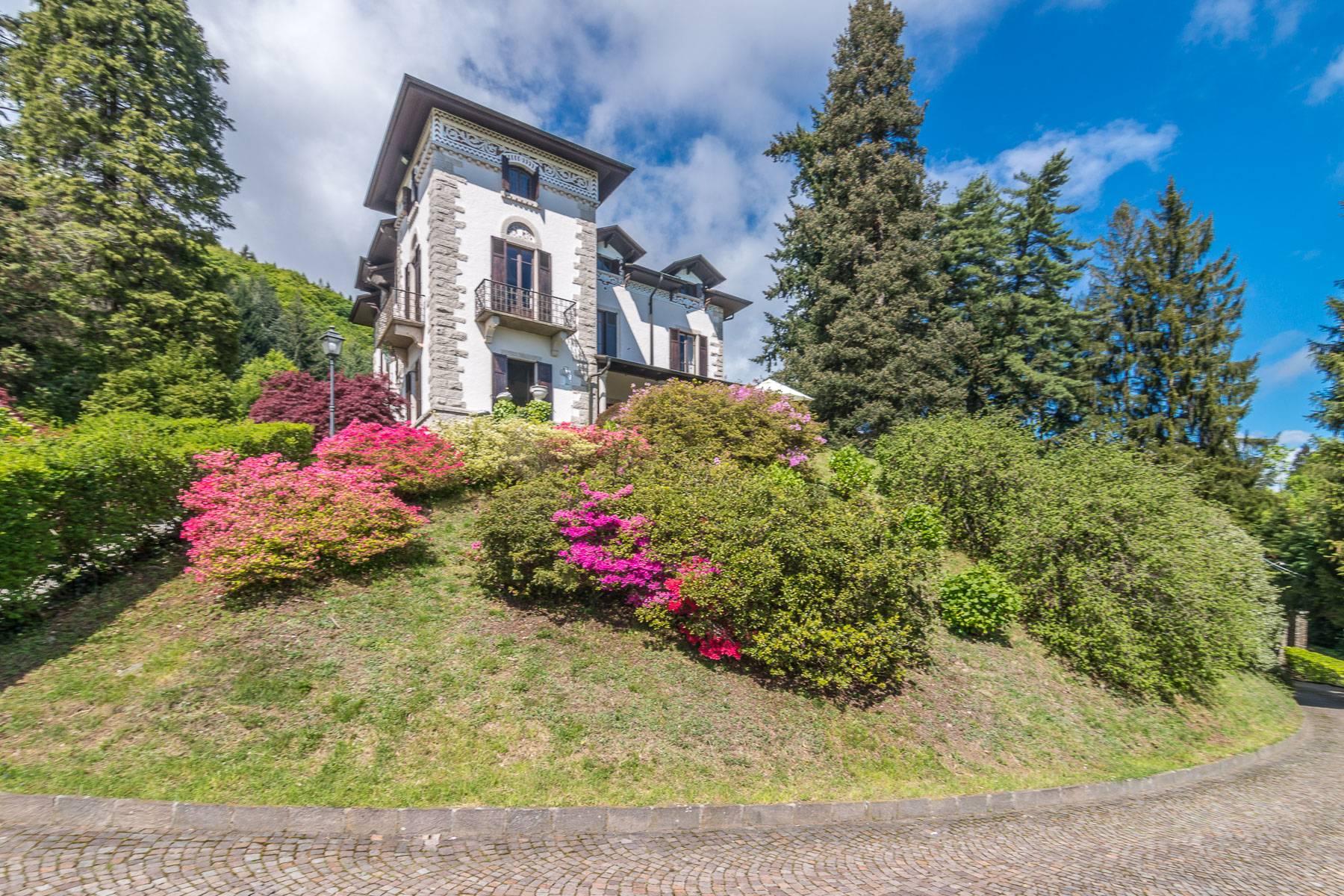 Other Residential Homes 为 出租 在 Charming historic villa on the hills of Stresa 斯特雷萨, 韦尔巴诺-库西亚-奥索拉 意大利