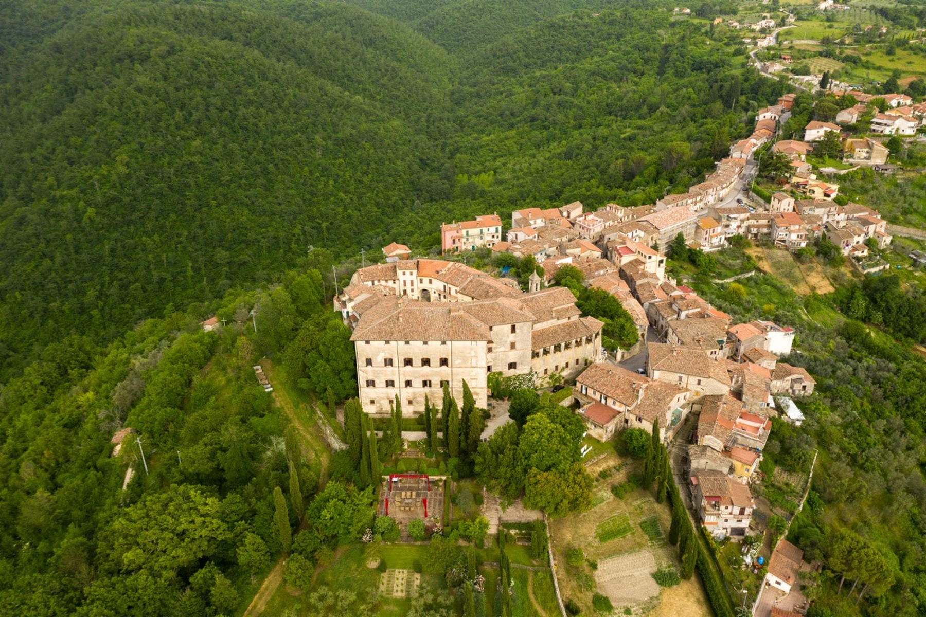 Other Residential Homes for Sale at Majestic palace at the summit of the medieval village of Oliveto. Other Rieti, Rieti Italy