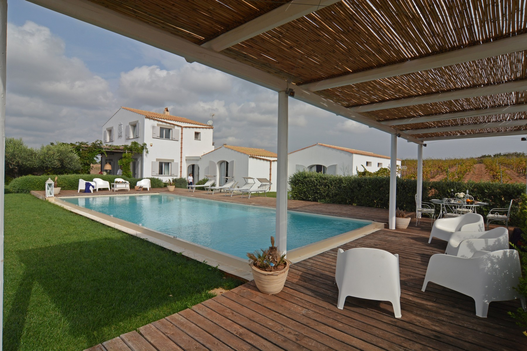 其它住宅 为 销售 在 Stylish villa with pool in the Sicilian wine county Menfi, Agrigento, 意大利