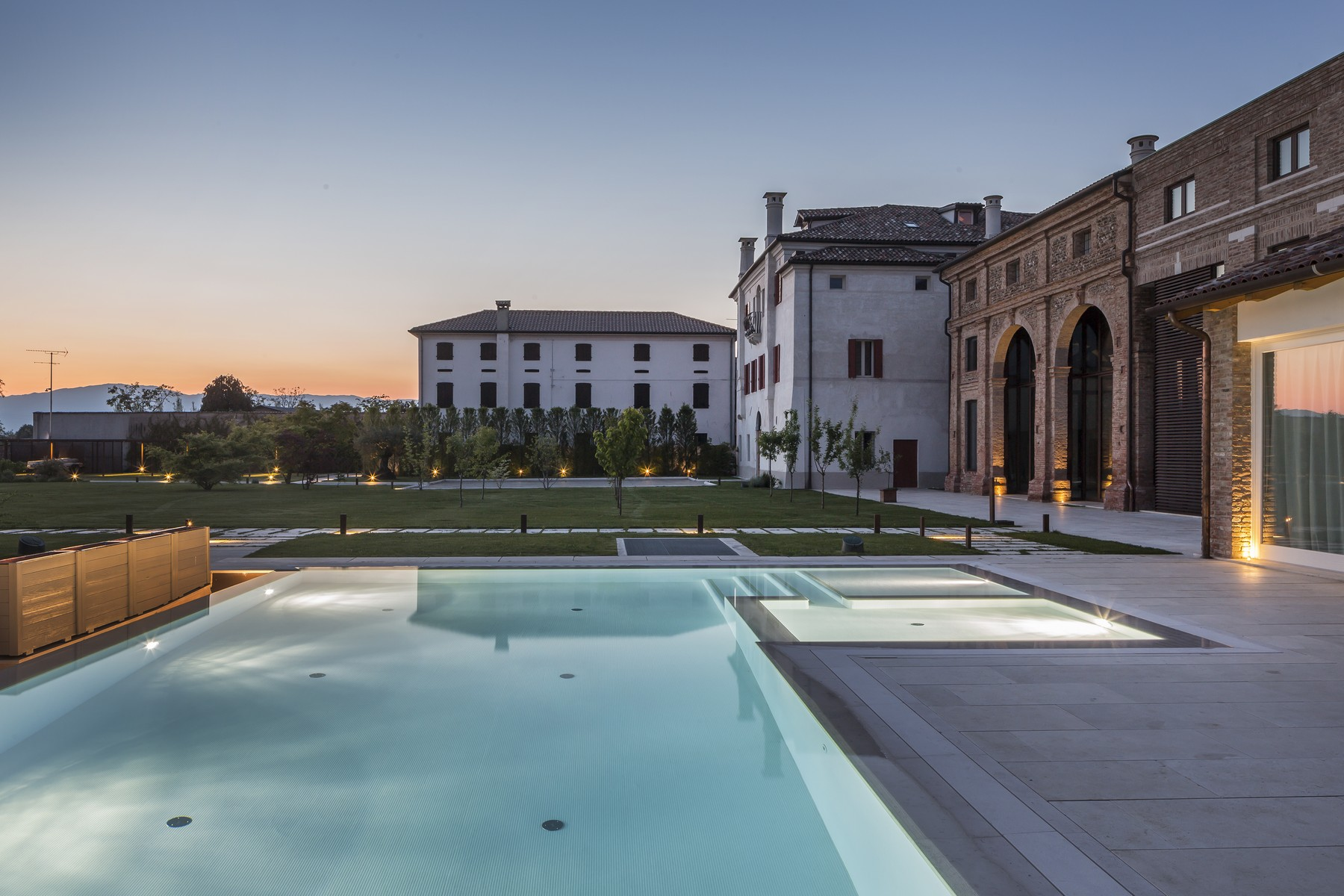 Other Residential Homes for Active at Exclusive historical property Trevignano, Treviso Italy