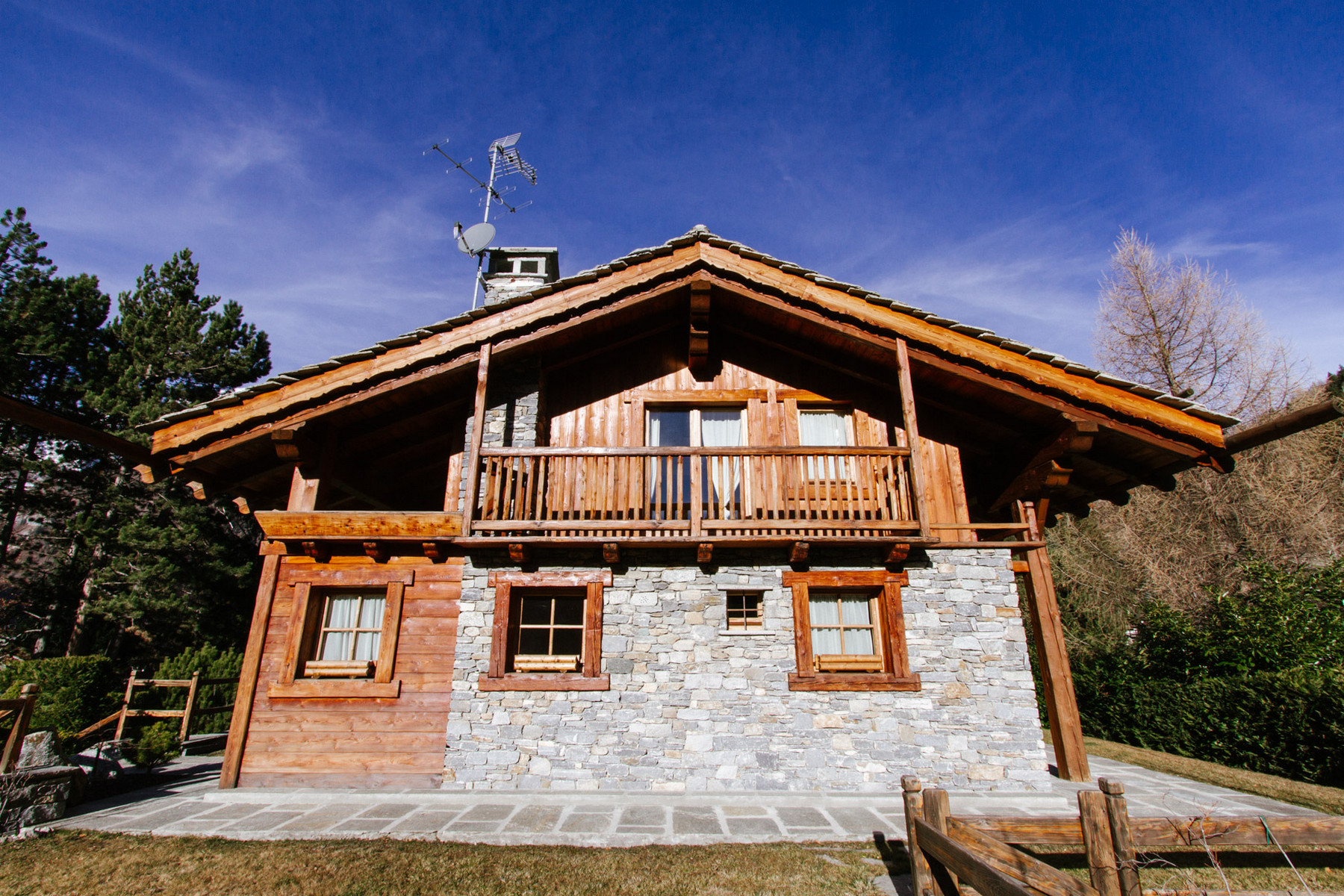 Other Residential for Sale at Luxury Chalet on three levels surrounded by the mountains Pre Saint Didier, Aosta Italy