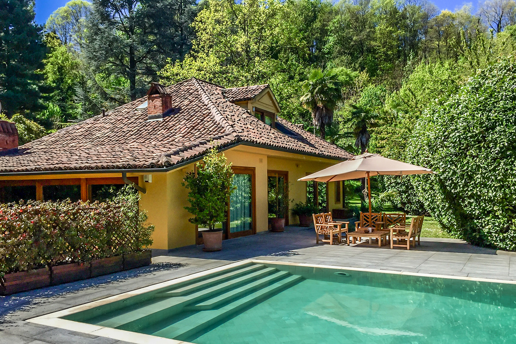 Other Residential Homes for Sale at Secluded villa with swimingpool in the prestigious hill of Turin Torino, Turin Italy