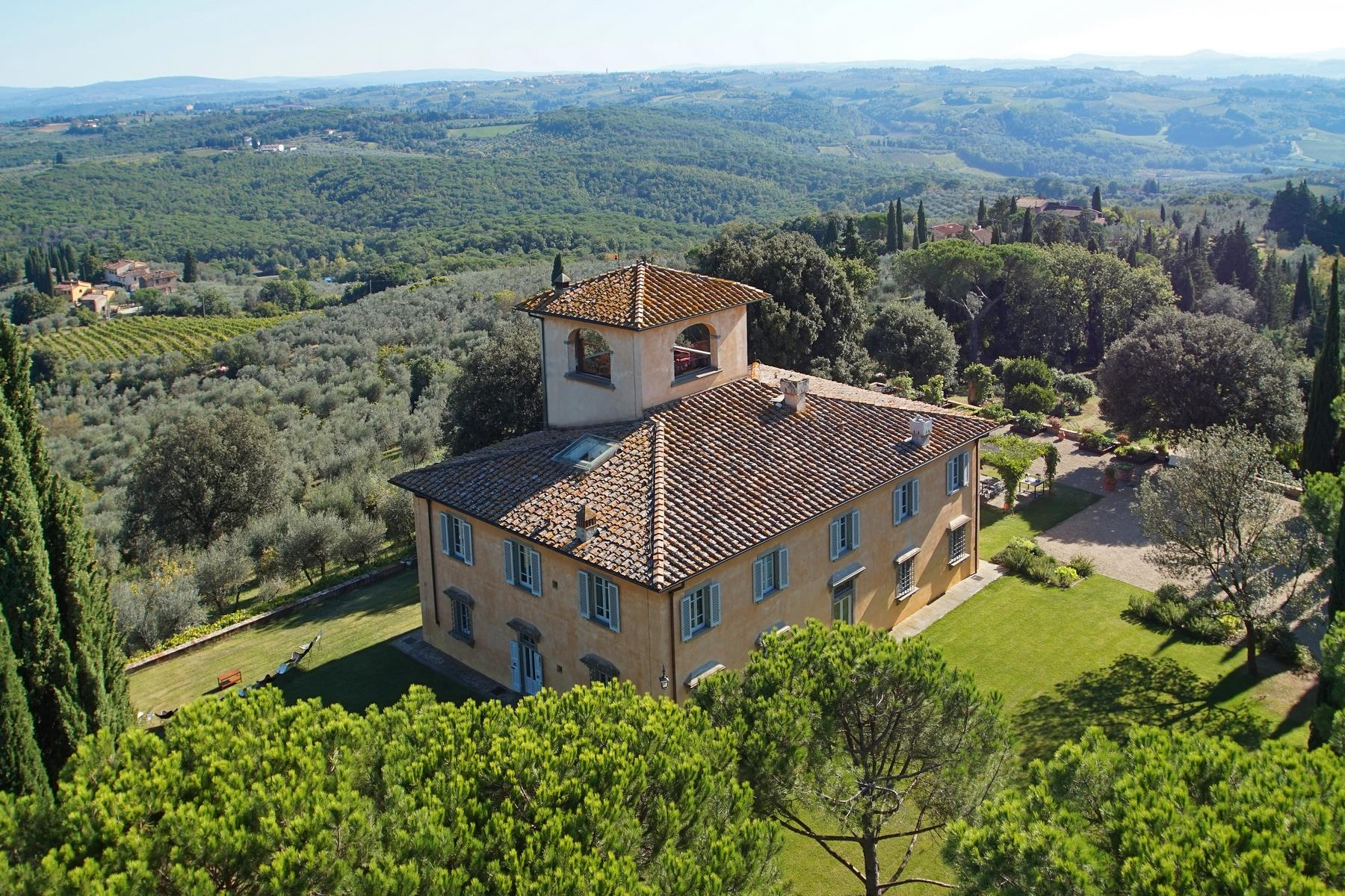 Other Residential Homes por un Alquiler en Villa Perle, a classic Tuscan villa surrounded by vineyards and olive groves San Casciano In Val Di Pesa, Florencia Italia