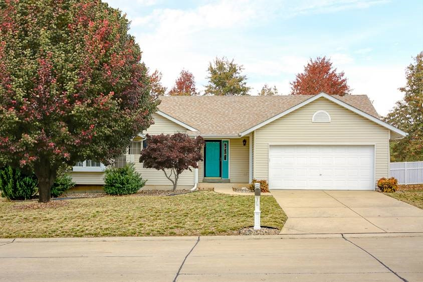 Single Family Home for Sale at 4670 Kellykris Drive, St. Charles, MO 63304 4670 Kellykris Drive St. Charles, Missouri 63304 United States