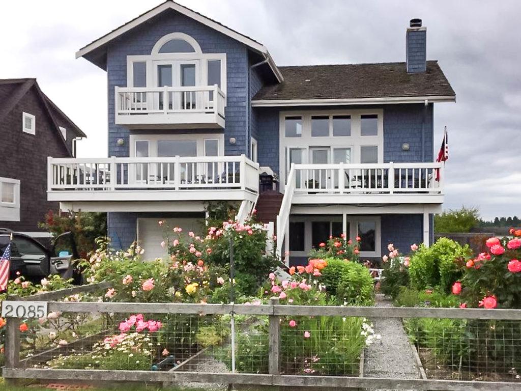 Single Family Homes por un Venta en 2085 Shore Avenue, Freeland, WA 98249 2085 Shore Ave Freeland, Washington 98249 Estados Unidos