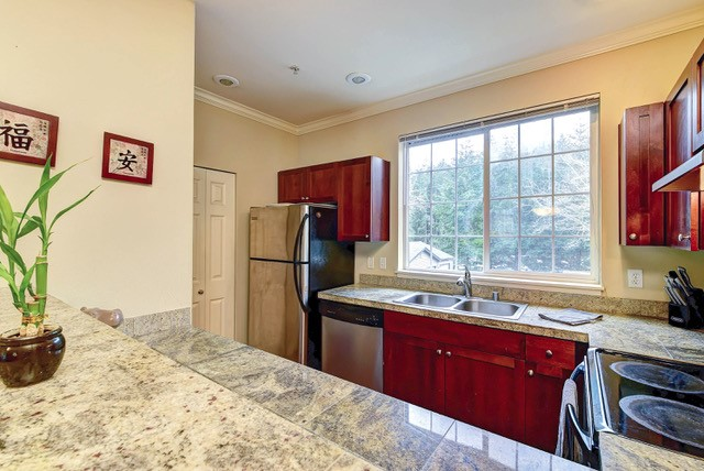 Single Family Homes for Sale at 25025 SE Klahanie Unit #L205, Sammamish, WA 98029 25025 SE Klahanie Unit #L205 Sammamish, Washington 98029 United States