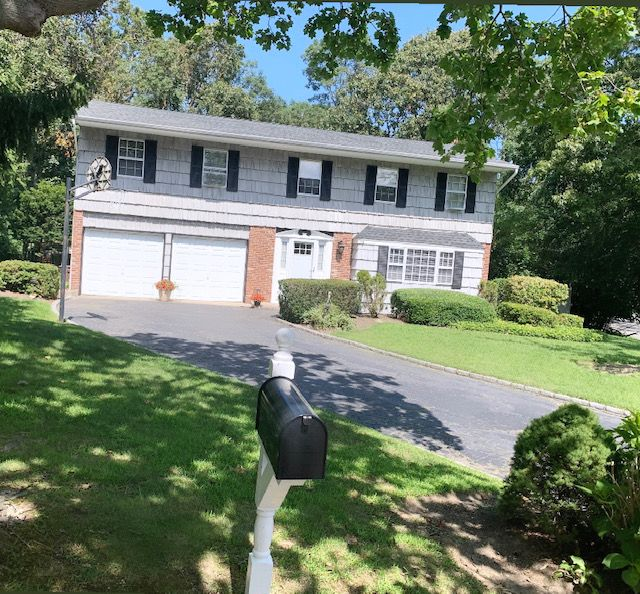 Single Family Homes for Active at 71 Harbor Oaks Drive, Kings Park, NY 11754 17 Harbor Oaks Drive Kings Park, New York 11754 United States