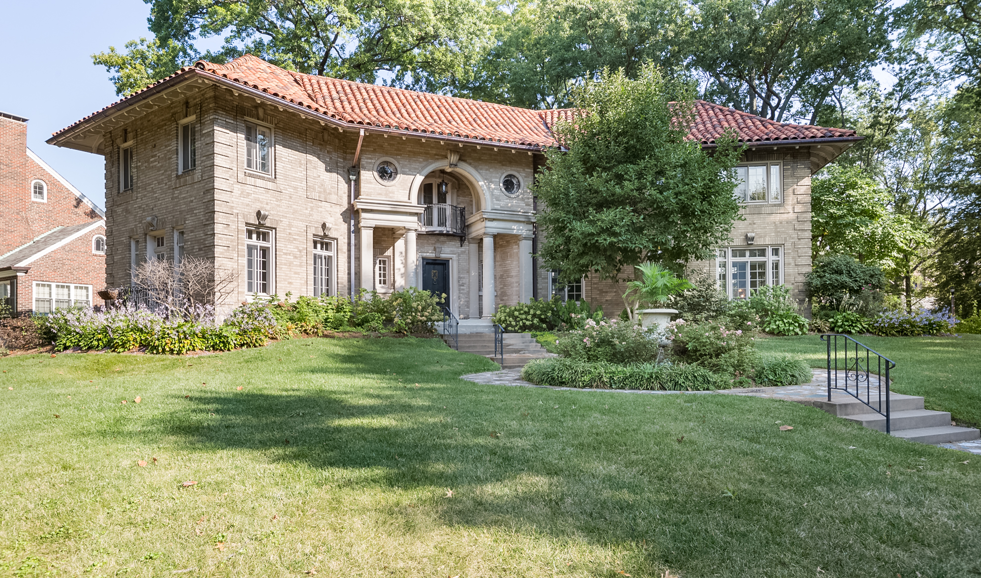 Single Family Homes for Sale at Italian Renaissance Masterpiece in the University Hills Neighborhood 7201 Greenway Avenue University City, Missouri 63130 United States