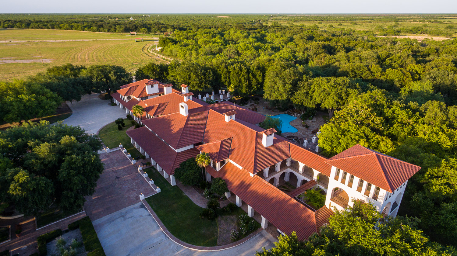 Farm / Ranch / Plantation for Sale at Expansive Estate in Carizzo Springs 3,015+/- Acres / Dimmit County Carrizo Springs, Texas 78834 United States