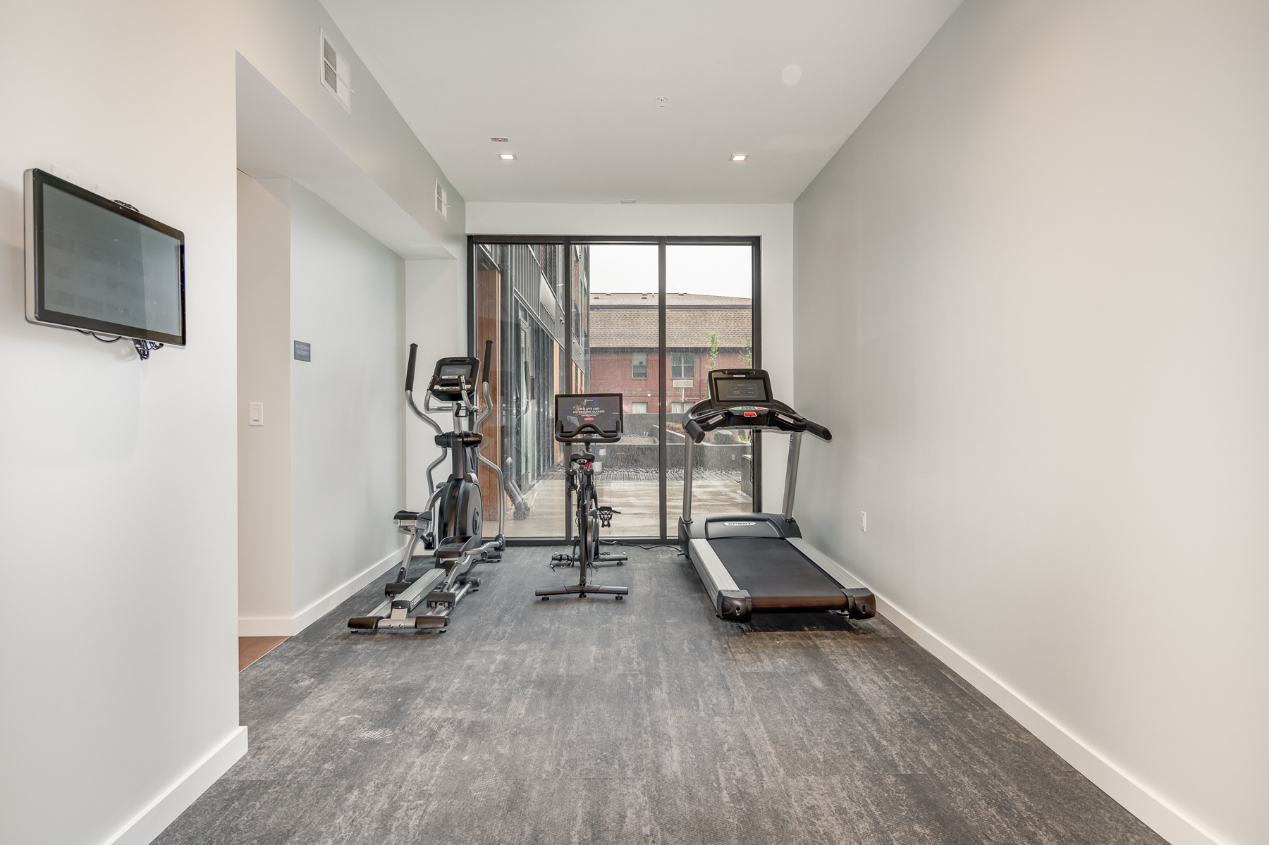 Additional photo for property listing at 4101 Laclede Ave # 205 St. Louis, Missouri 63108 United States