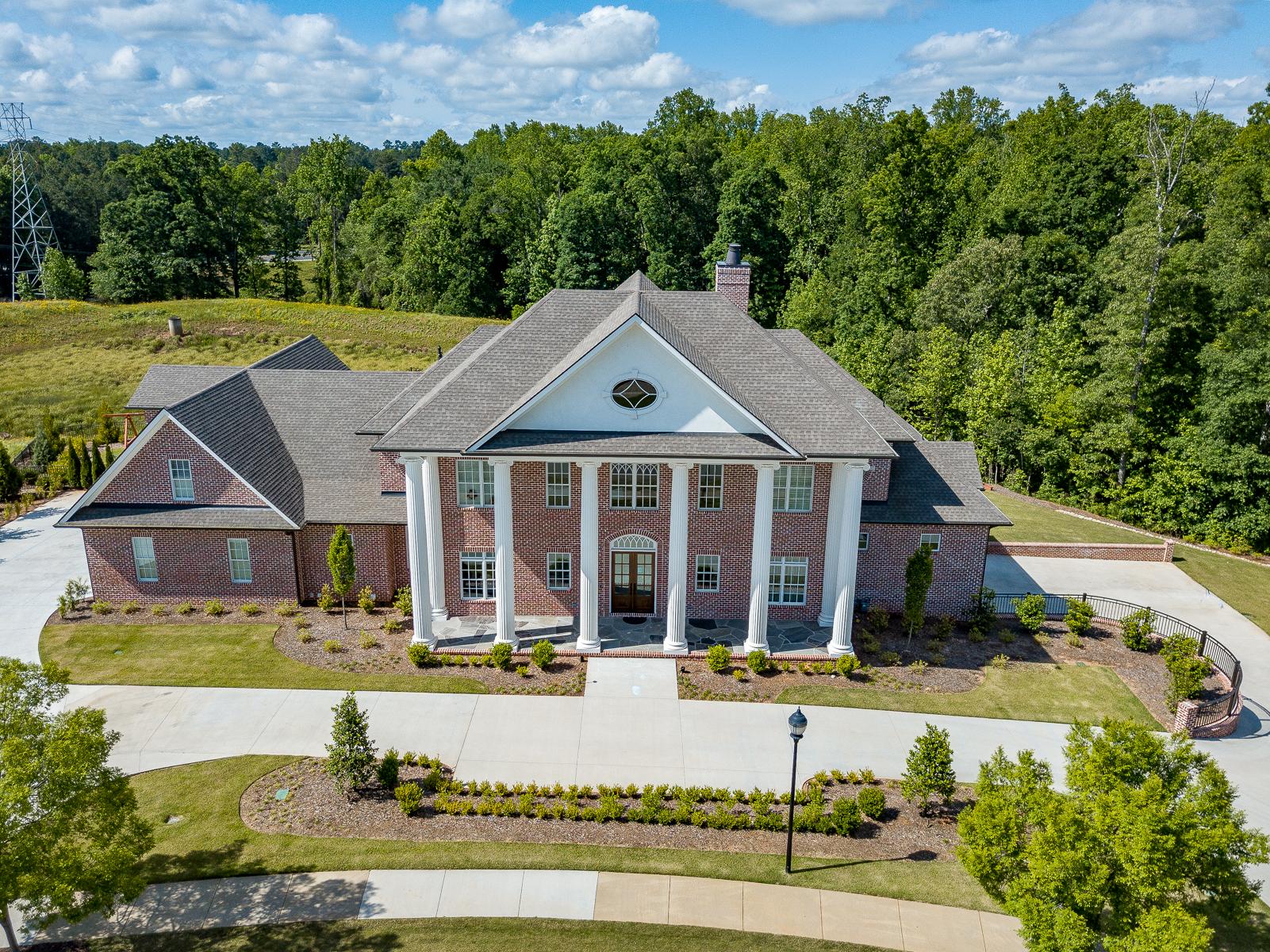 Single Family Homes por un Venta en Stunning, brand new custom build by J. Francis Builders! 112 Welling Circle, Greenville, Carolina del Sur 29607 Estados Unidos