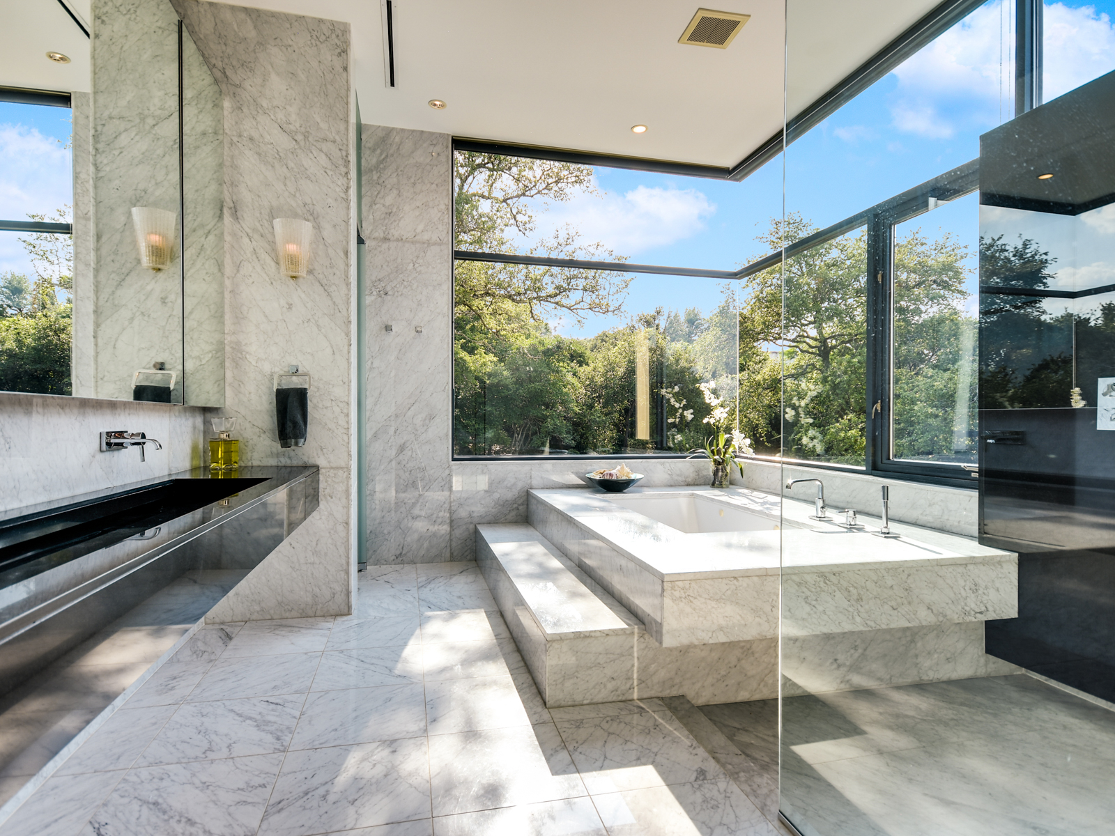Additional photo for property listing at Westlake Hills Gated European Contemporary 513 Konstanty Cir Austin, Texas 78746 United States