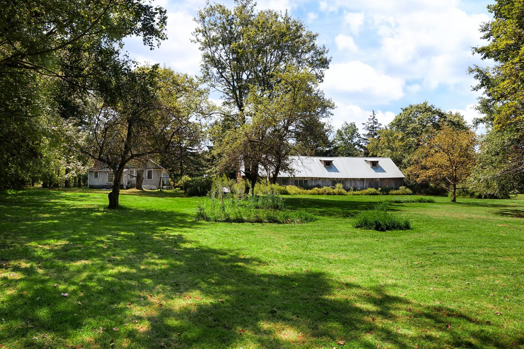 Additional photo for property listing at Just The Right Size For A Gentleman's Farm 439 Route 31, Ringoes, New Jersey 08551 United States
