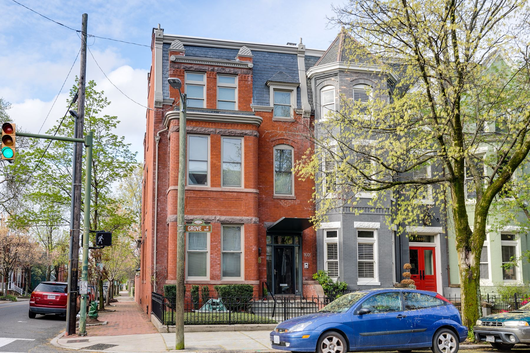 Single Family Homes 為 出售 在 1601 Grove Avenue, The Fan Richmond, 弗吉尼亞州 23220 美國