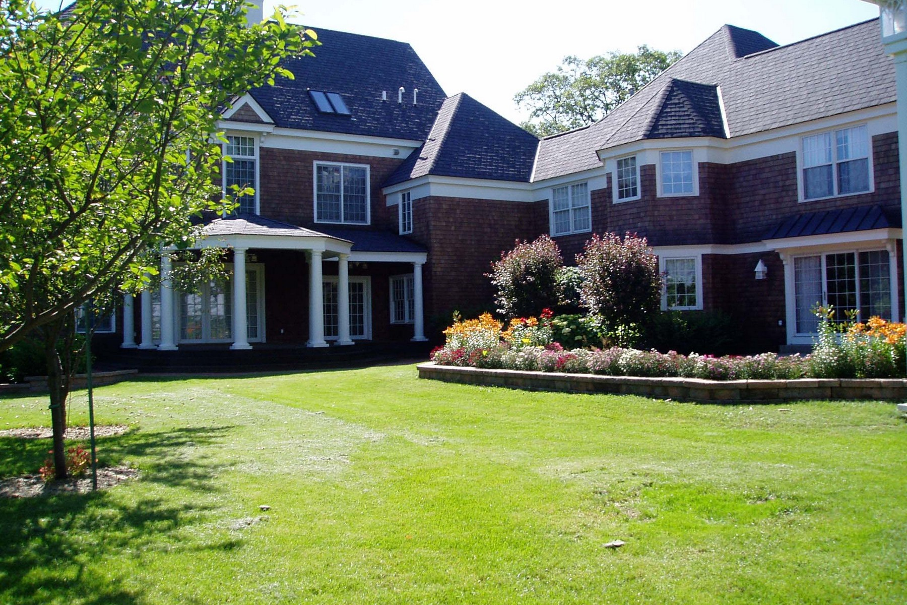 Single Family Homes voor Verkoop op Perfect retreat! 16556 County Line Road, Capron, Illinois 61012 Verenigde Staten