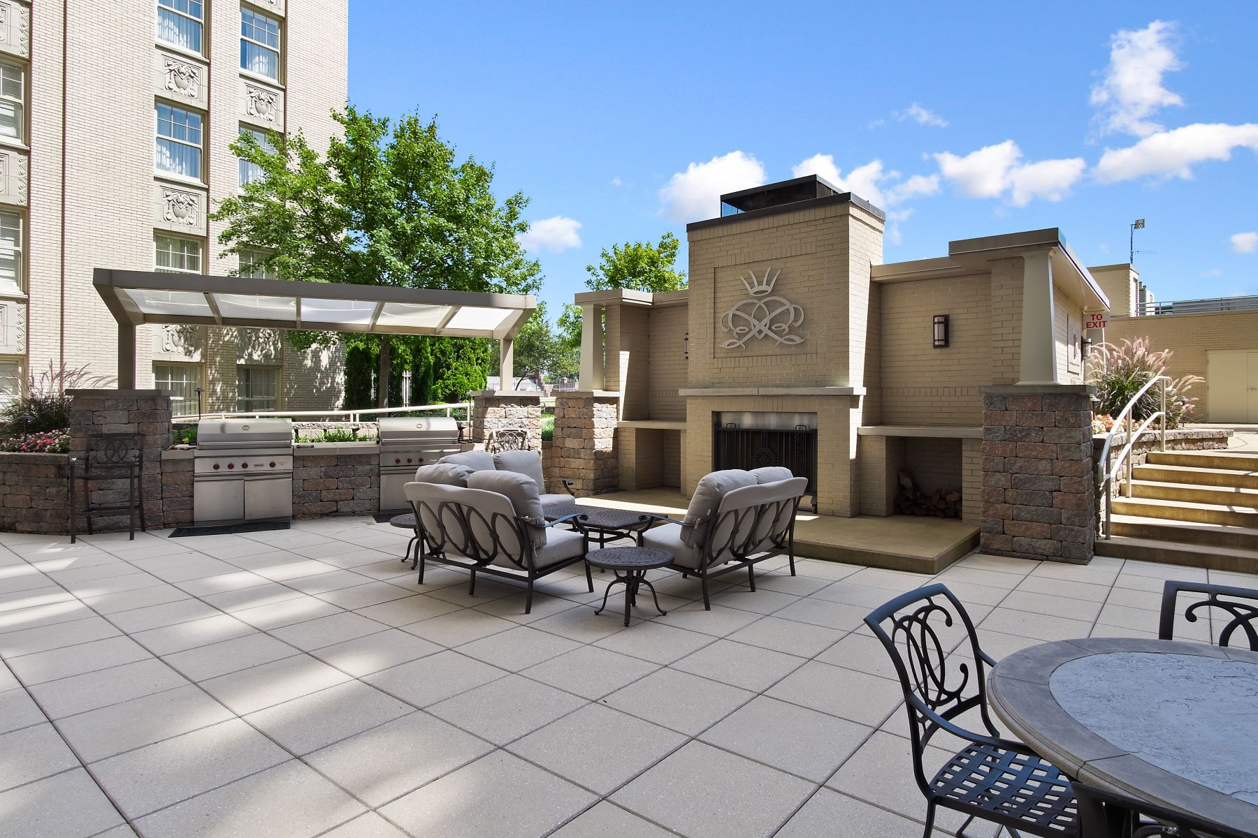 Additional photo for property listing at Extraordinary Living at The Chase 232 North Kingshighway Boulevard, #2301 St. Louis, Missouri 63108 United States