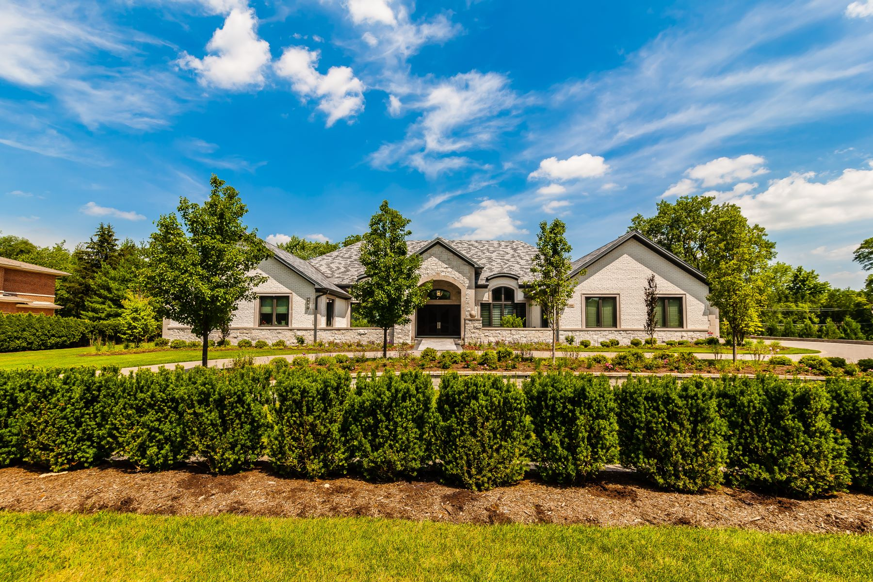 Single Family Homes for Active at Spectacular Northbrook Home 3310 Sunset Trail Northbrook, Illinois 60062 United States