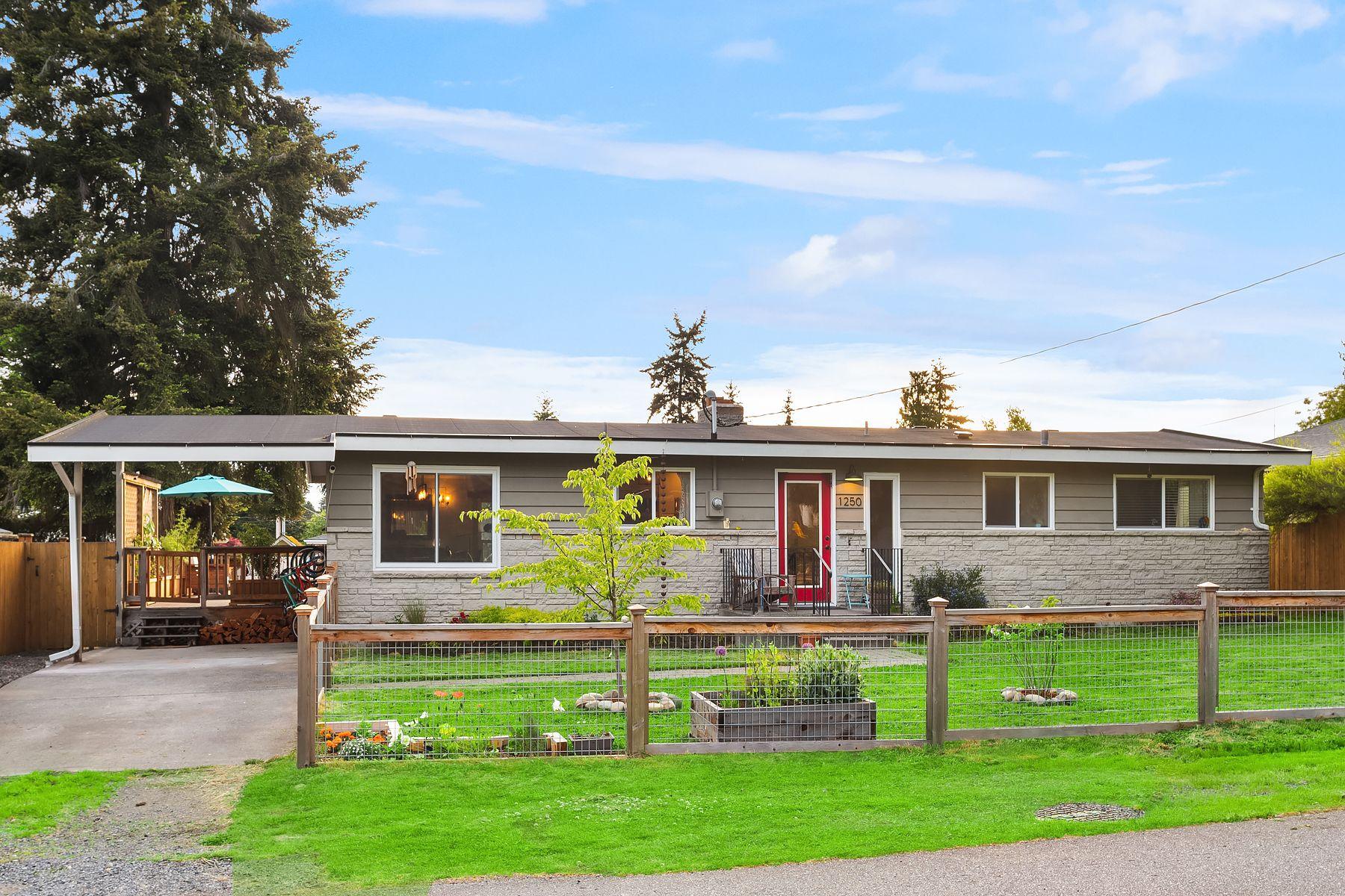 Single Family Homes for Sale at 1250 Coronado Place, Edmonds, WA 98020 Edmonds, Washington 98020 United States