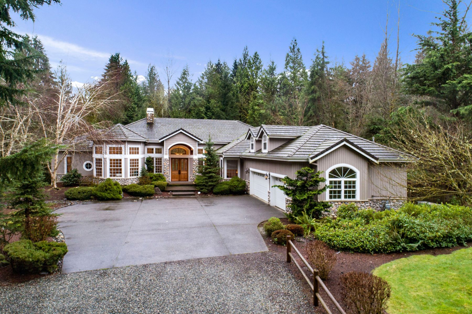 Single Family Homes 용 매매 에 22619 Northeast 202nd Street, Woodinville, WA 98077 22619 NE 202nd Street Woodinville, 워싱톤 98077 미국
