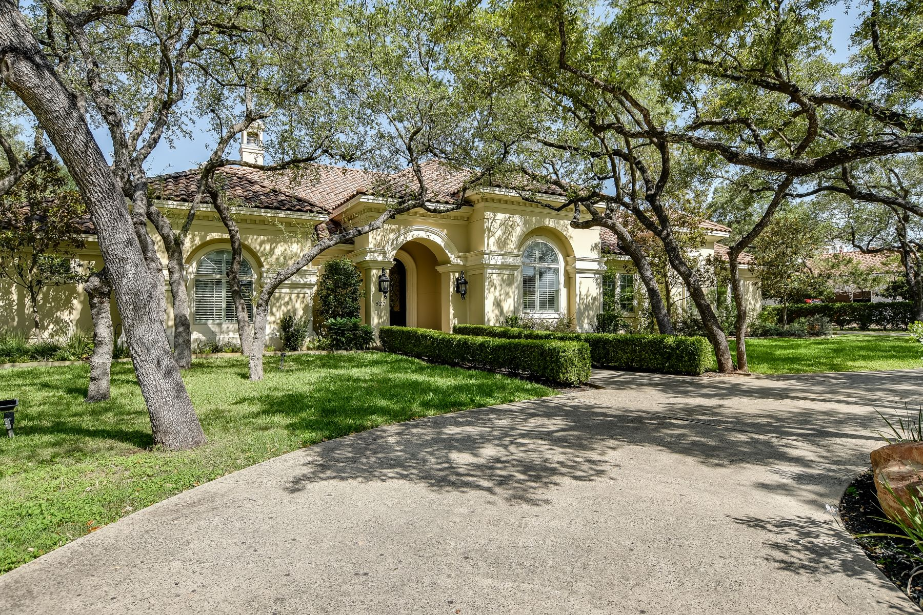 Single Family Homes for Sale at Luxurious Mediterranean Estate 527 Berwick Town Shavano Park, Texas 78249 United States