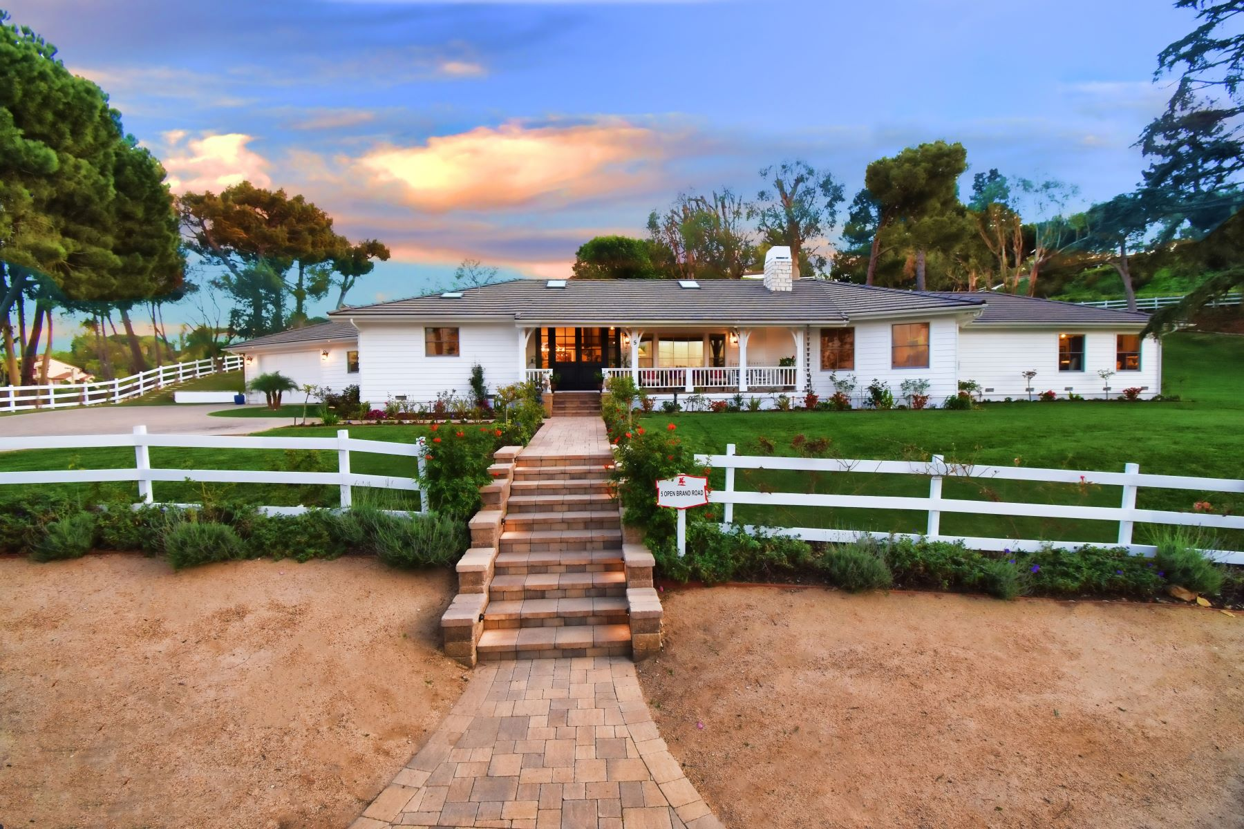 Single Family Homes para Venda às 5 Openbrand Road, Rolling Hills, CA 90274 Rolling Hills, Califórnia 90274 Estados Unidos