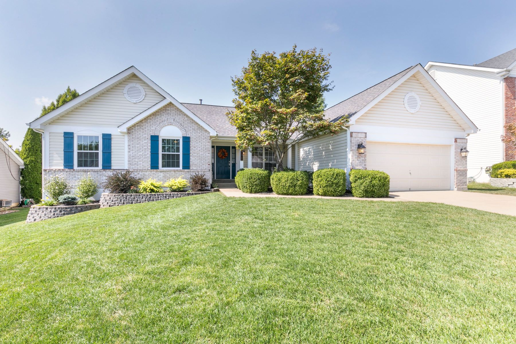 Single Family Homes for Sale at Golf Course Community 931 Green Briar Hills Drive O Fallon, Missouri 63366 United States