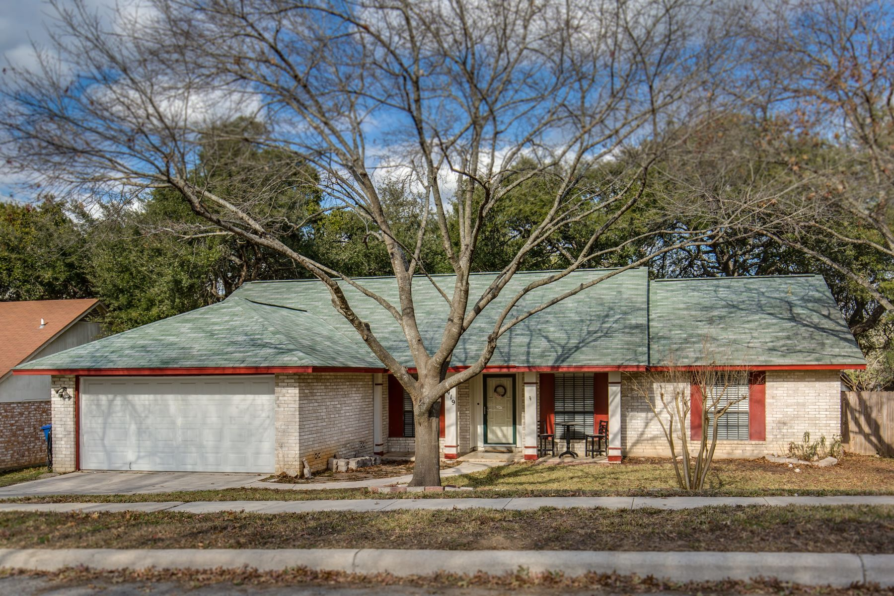 Single Family Home for Sale at Spacious Single Story Home in Fox Run 6419 Indian Path Street San Antonio, Texas 78247 United States