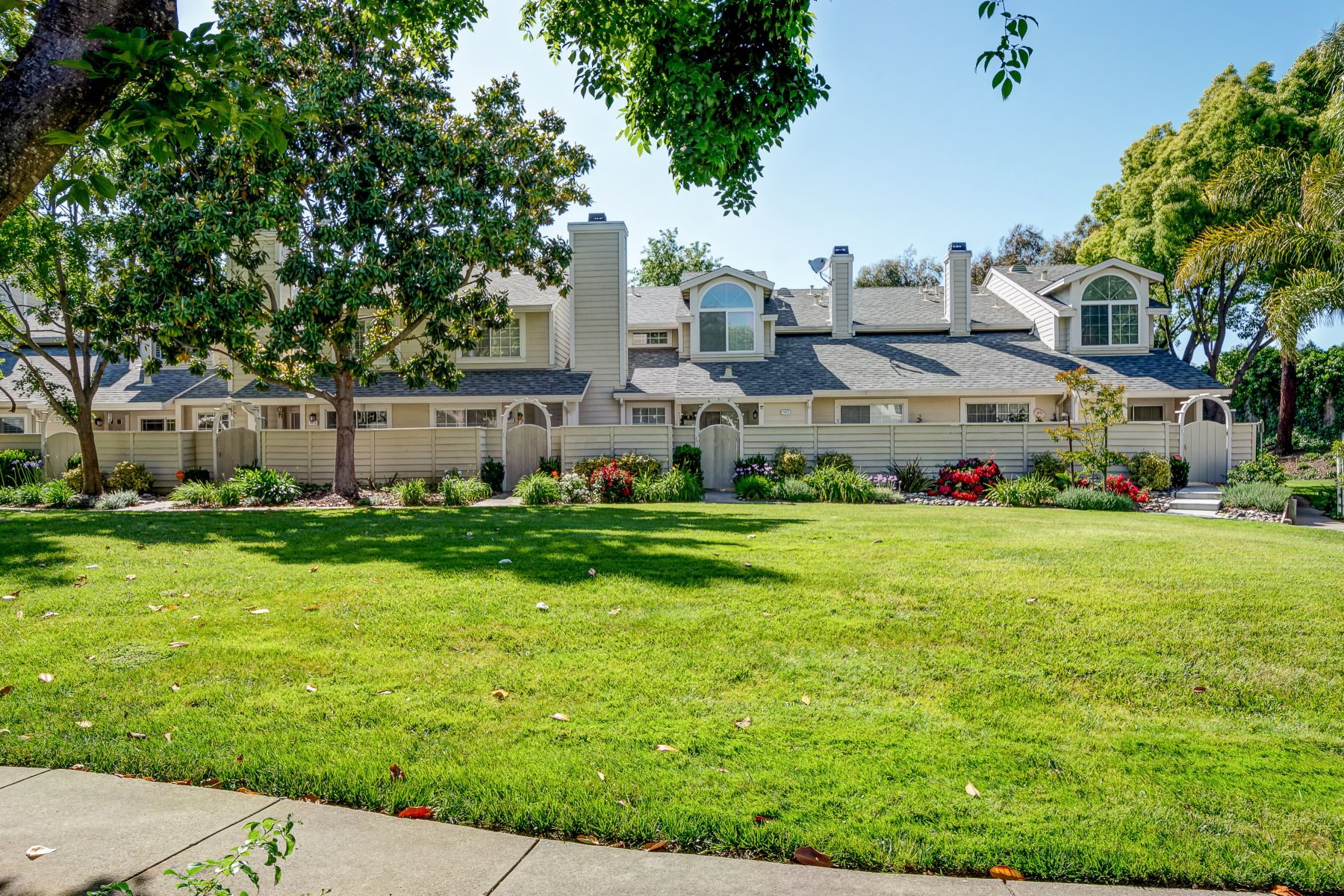 townhouses for Sale at 7365 Stonedale Drive, Pleasanton, CA 94588 7365 Stonedale Drive Pleasanton, California 94588 United States