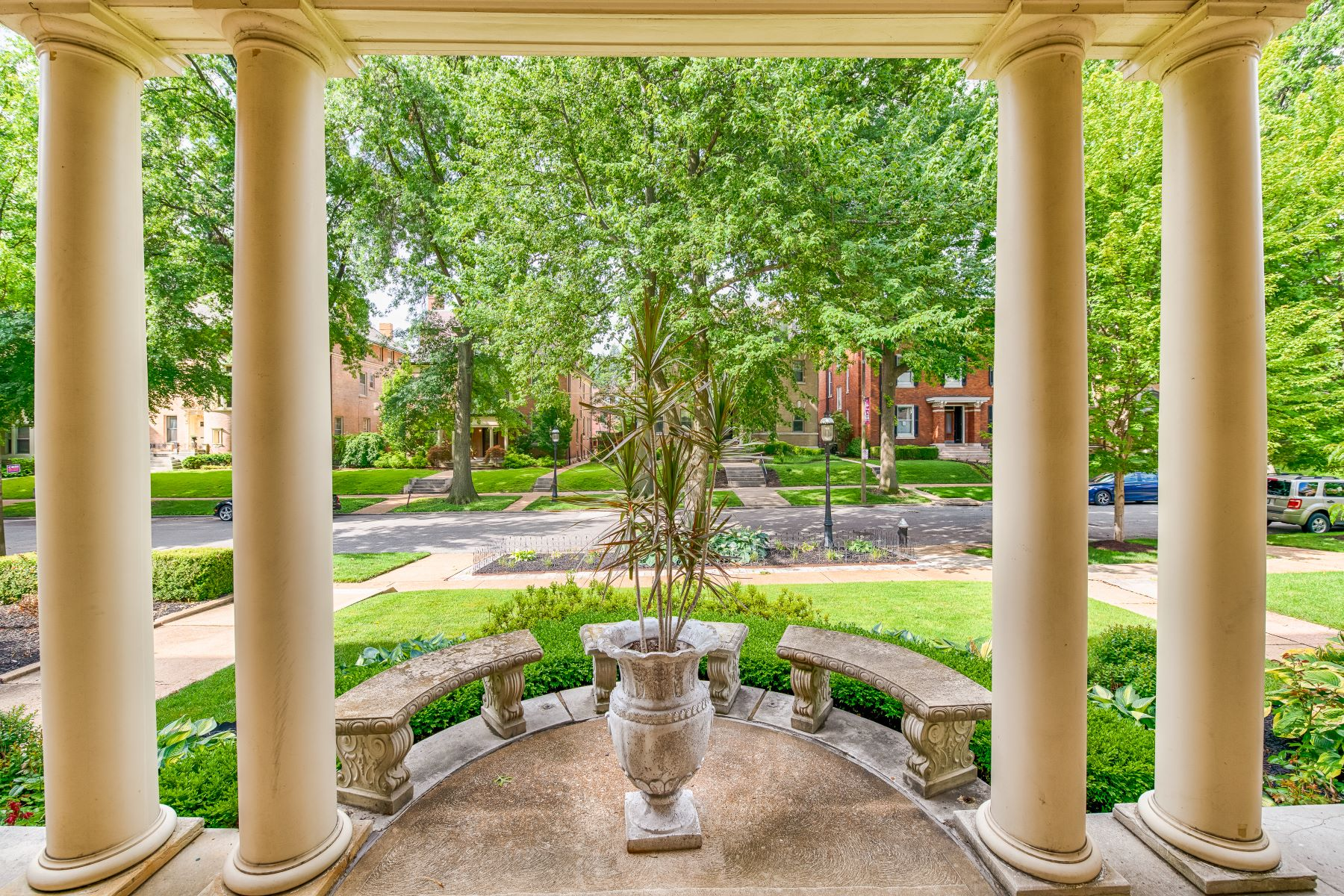 Single Family Homes for Sale at Westminster Place 4441 Westminster Place St. Louis, Missouri 63108 United States