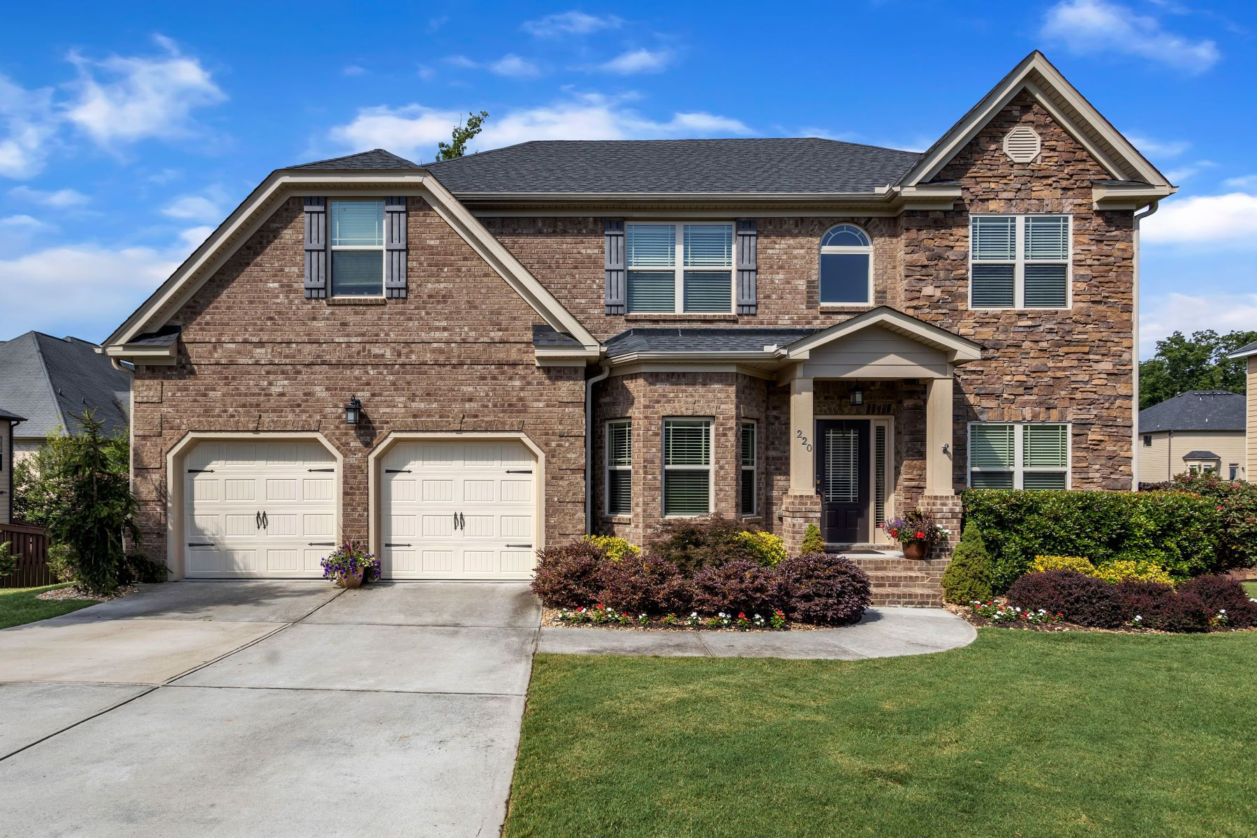Single Family Homes 용 매매 에 220 Tuscany Falls Drive, Simpsonville, SC 29681 Simpsonville, 사우스캐놀라이나 29681 미국