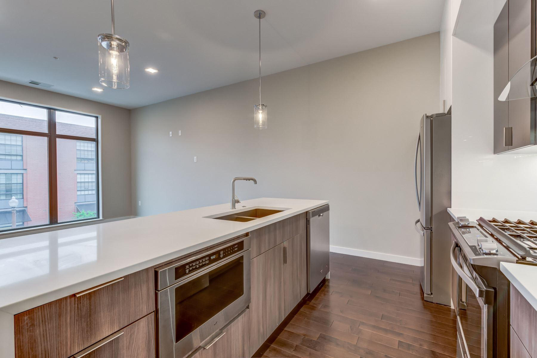 Additional photo for property listing at 4101 Laclede Ave # 204 St. Louis, Missouri 63108 United States