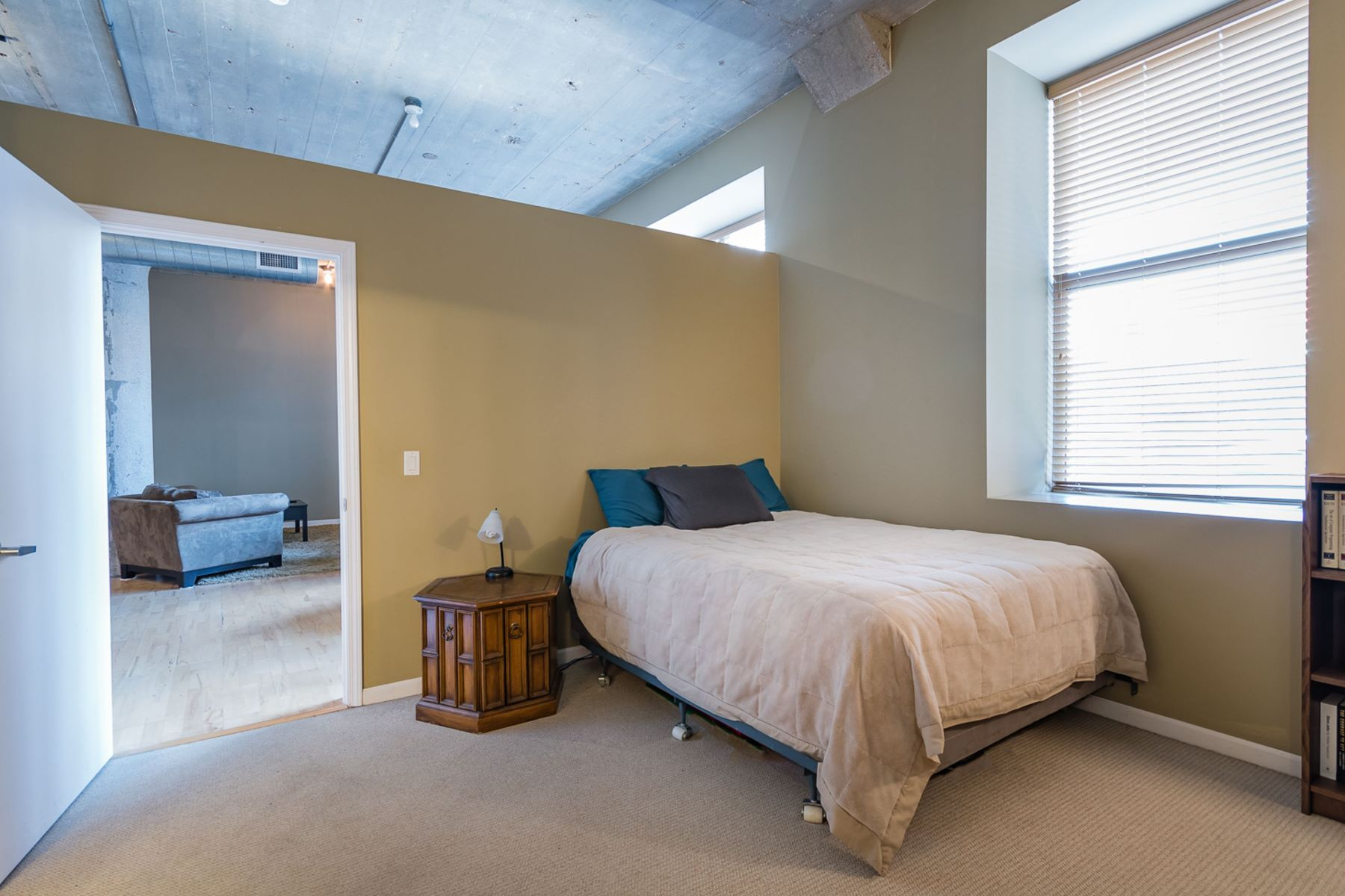 Additional photo for property listing at Luxury Living Downtown at the Annex Lofts 1511 Locust Street #305 St. Louis, Missouri 63103 United States
