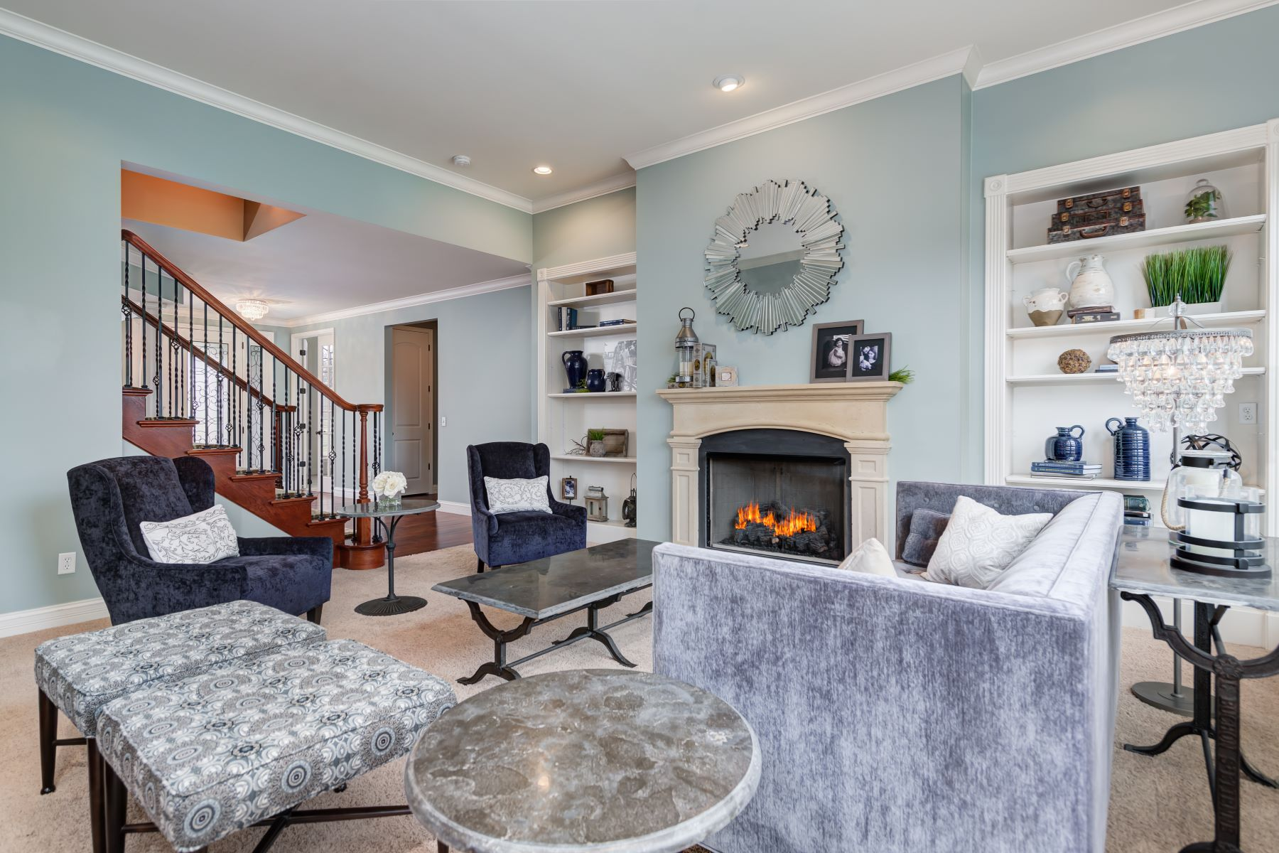 Additional photo for property listing at Creve Coeur Elegance in the Ladue School District 543 Oakhaven Lane Creve Coeur, Missouri 63141 United States