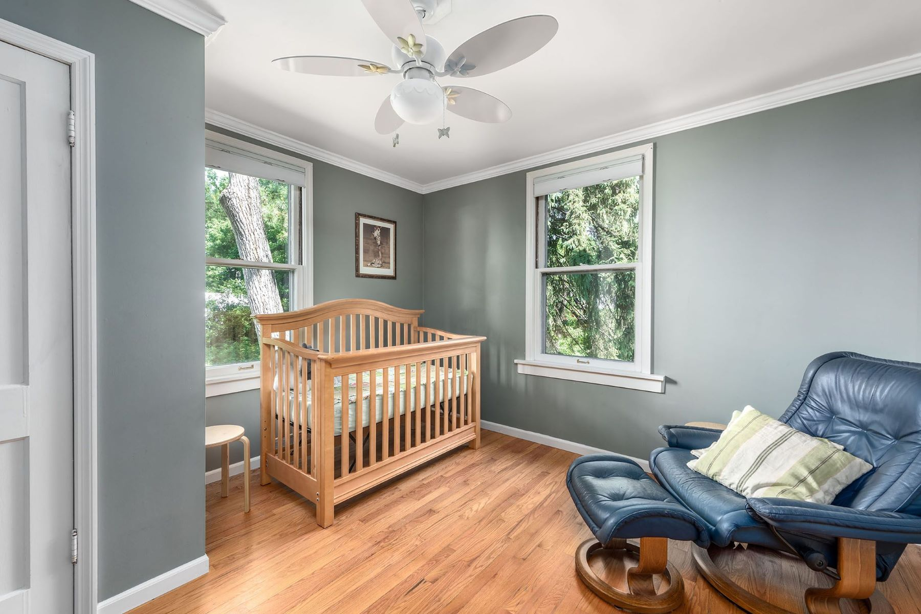 Additional photo for property listing at Enchanting Webster Groves Home 225 Simmons Avenue Webster Groves, Missouri 63119 United States