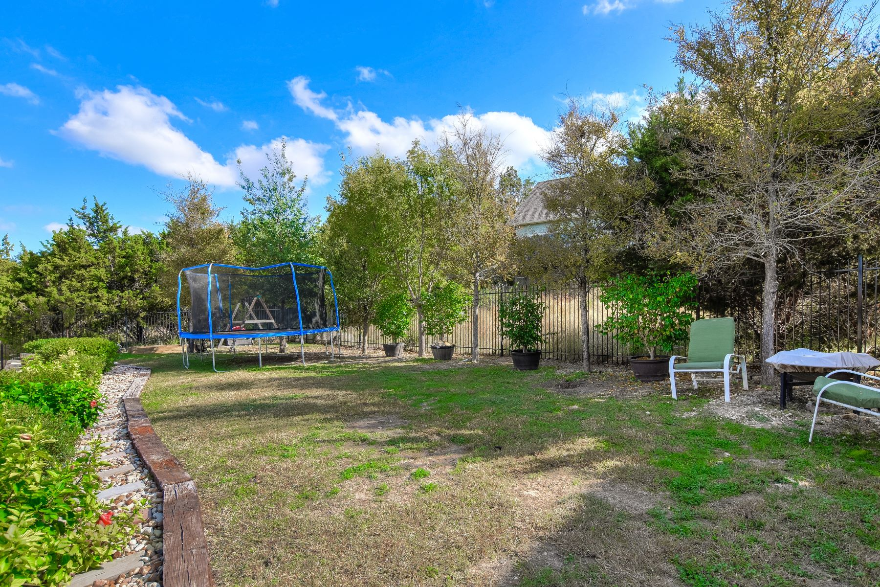 Additional photo for property listing at Lake Views in Point Venture 409 Cascade Circle Point Venture, Texas 78645 United States