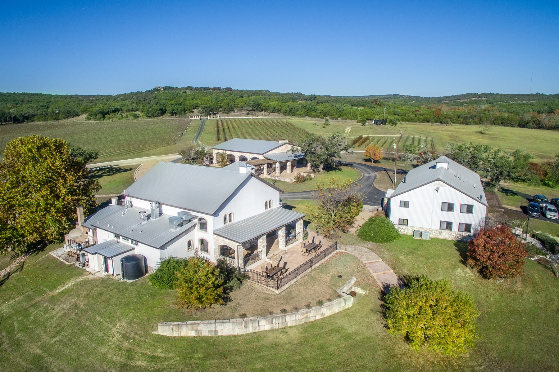 Maison unifamiliale pour l Vente à The Crown Jewel of Texas Wineries 24912 Singleton Bend East Rd, Marble Falls, Texas, 78654 États-Unis