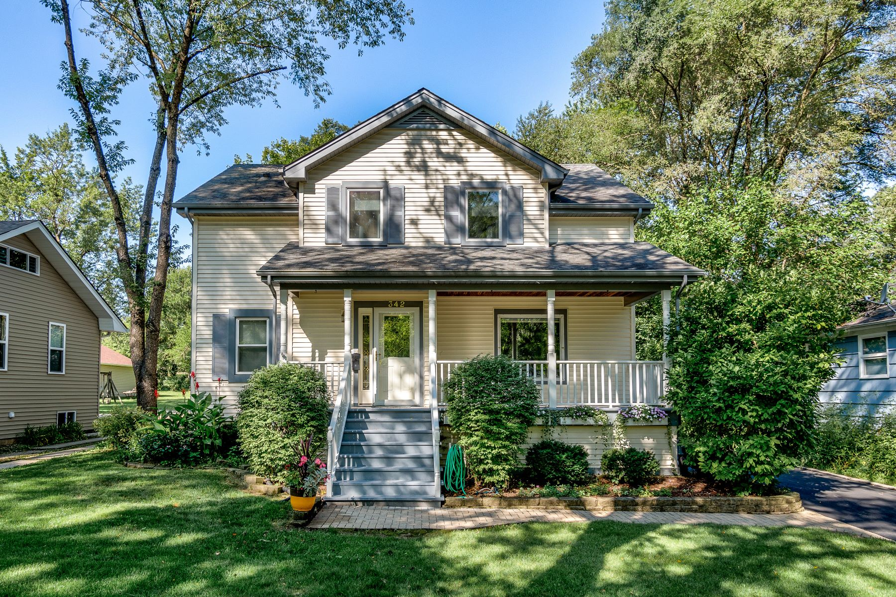 Single Family Home for Sale at Fabulous Residence 342 S Highland Avenue Lombard, Illinois 60148 United States