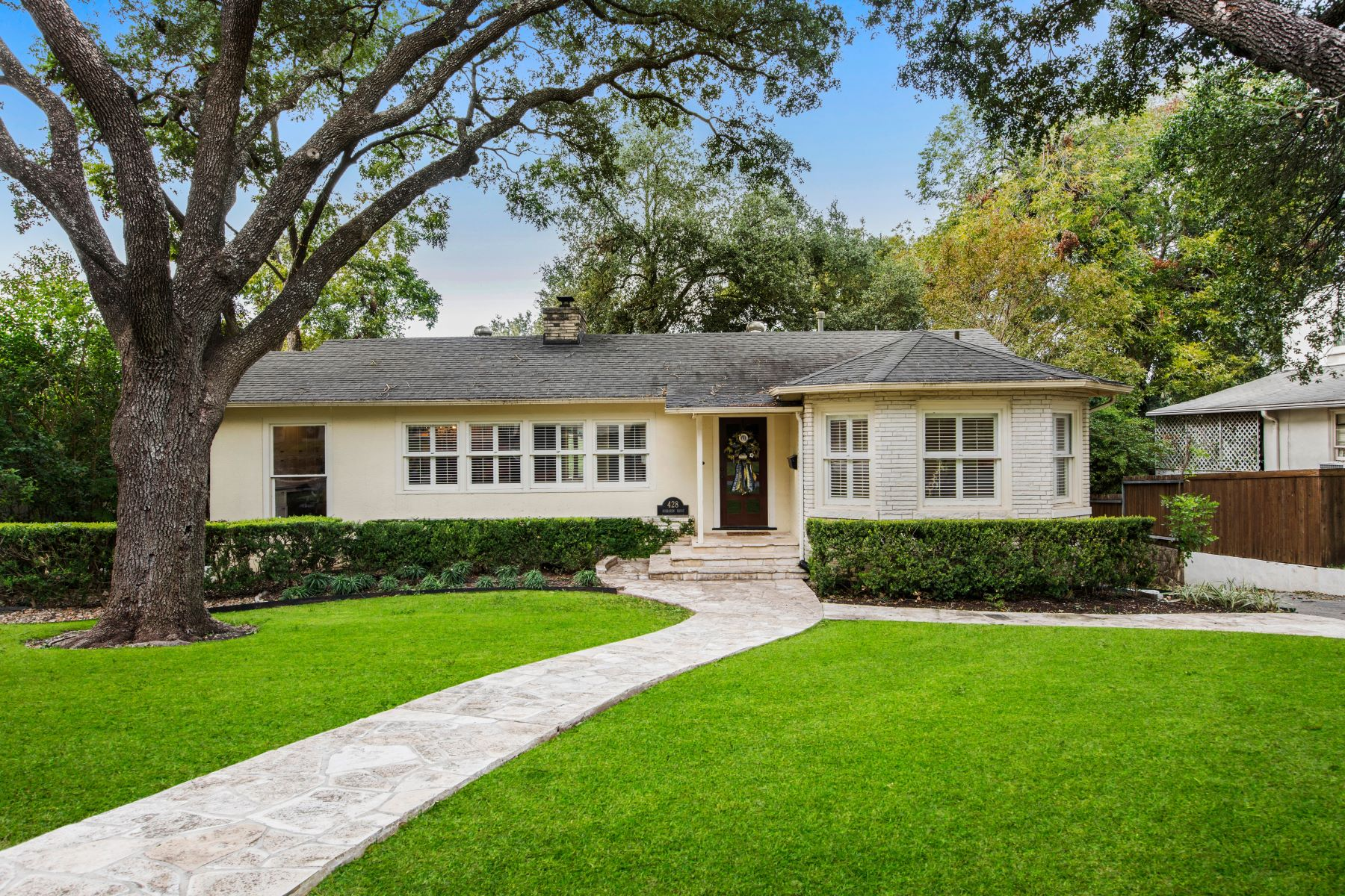 Single Family Homes for Active at Wonderful Family Home in the Heart of Terrell Hills 428 Sheraton Drive San Antonio, Texas 78209 United States